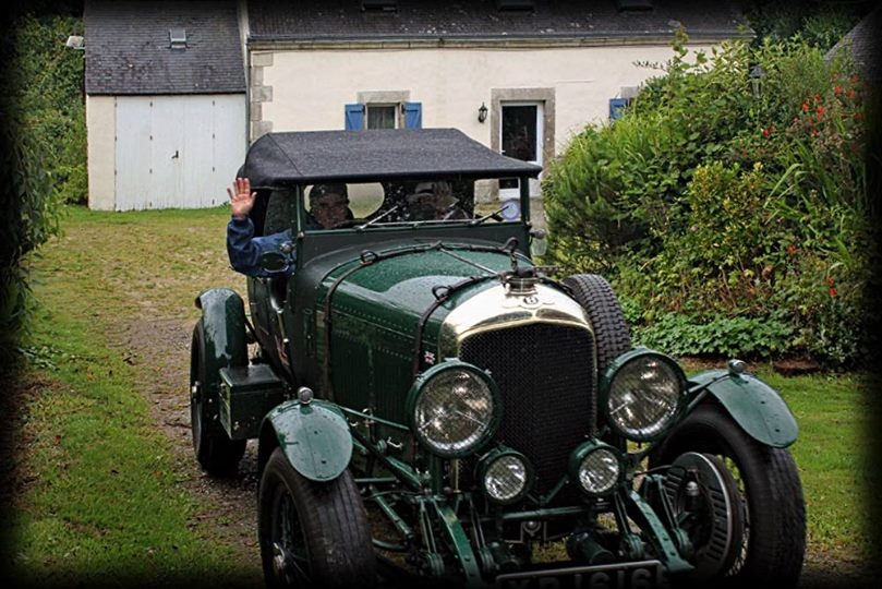 old car  by Rob Helliker