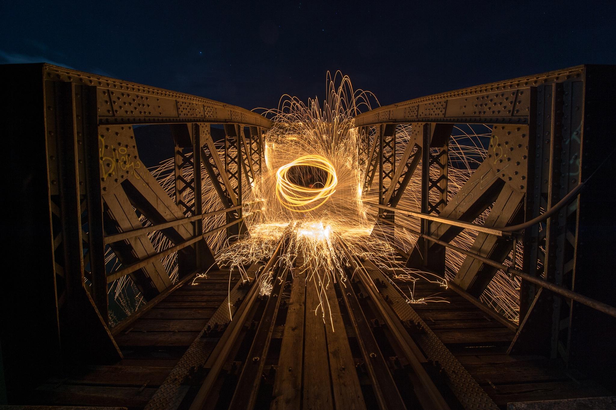 Burning steelwool by Alex Mandl