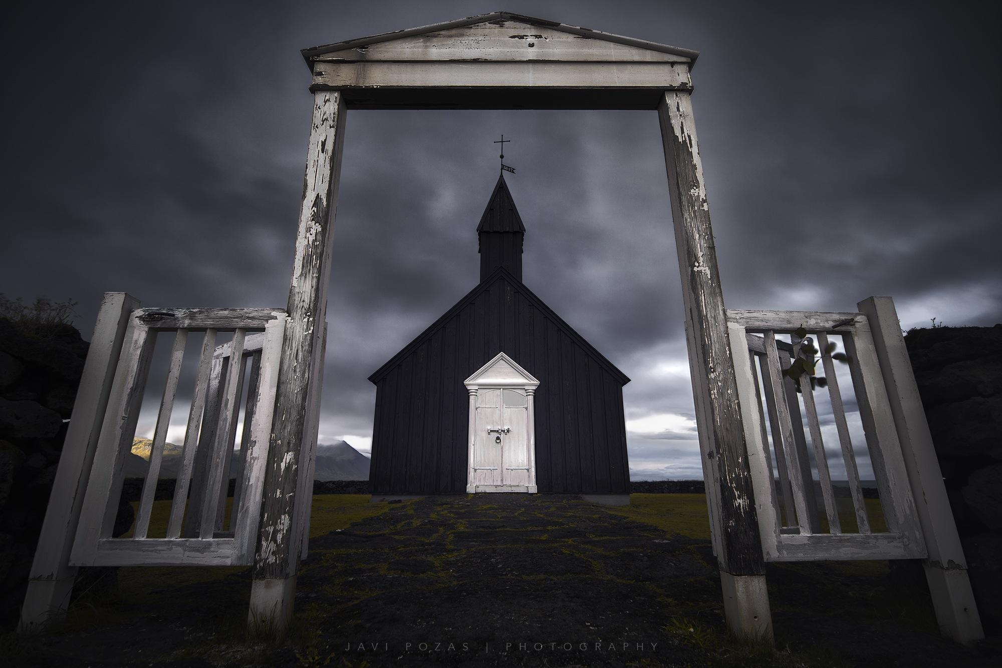 Buðir black church by Javi Pozas