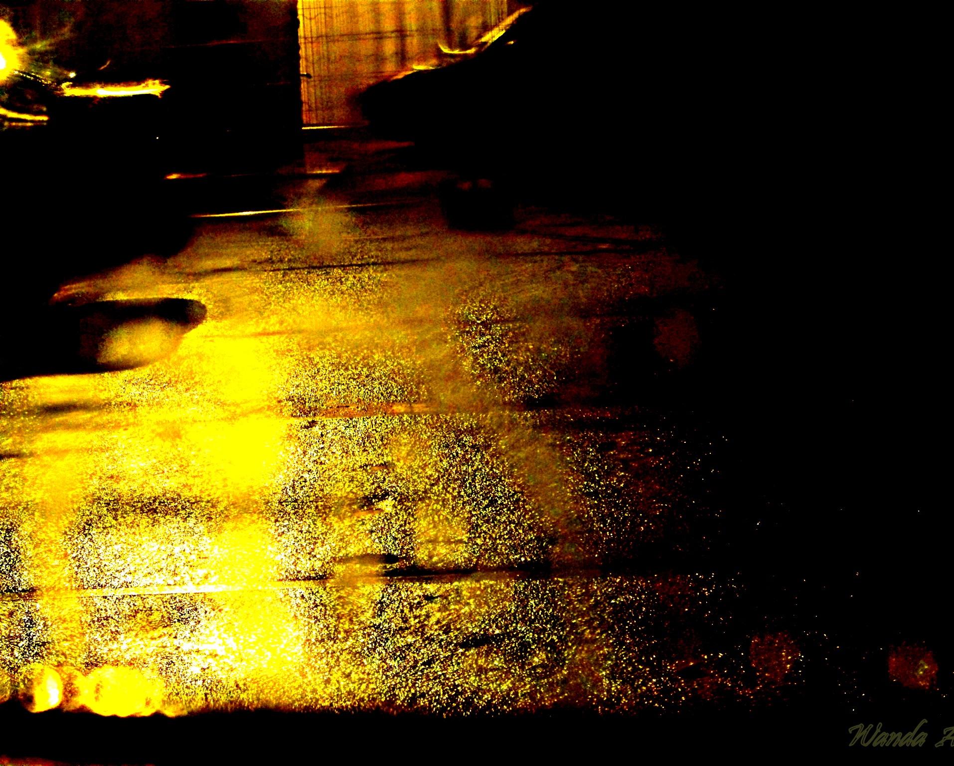 Night glow by Wandawonder
