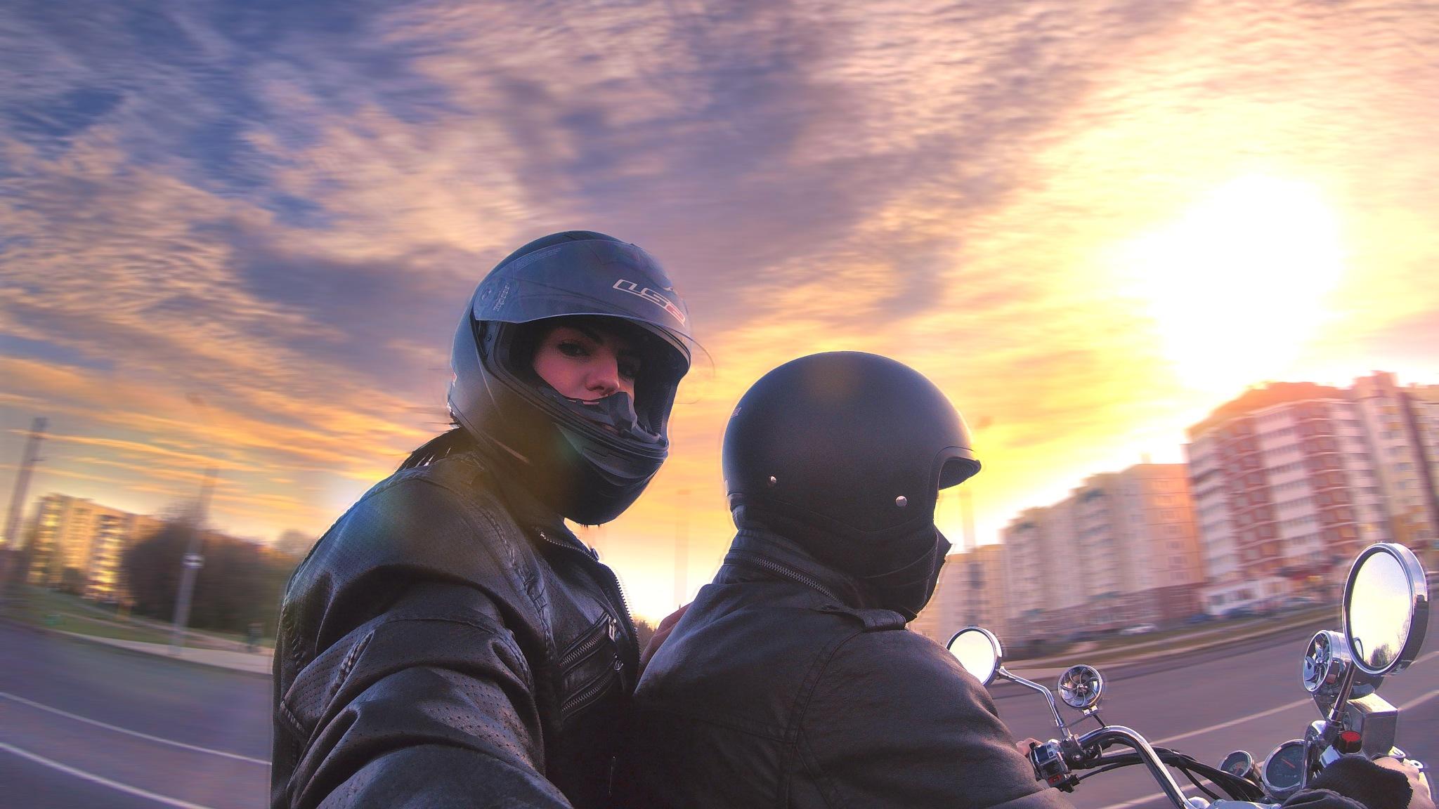 Sundown ride by Serj Shevtsov