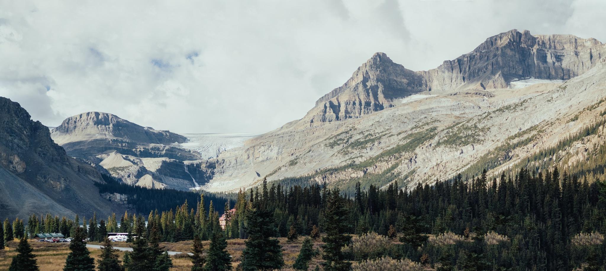 Bow glacier by Inbal Rubin