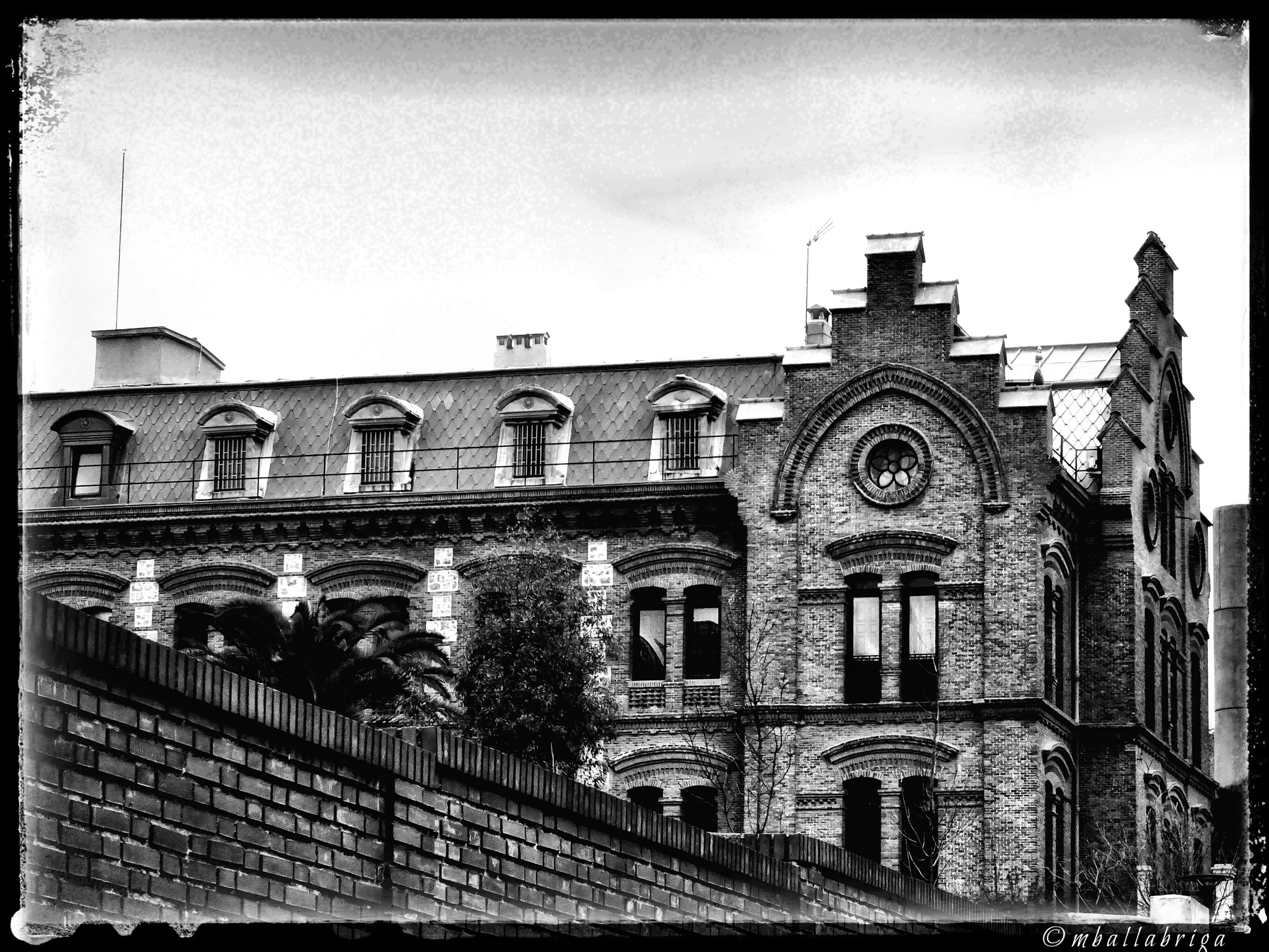 Old architecture  by Miguel Ballabriga