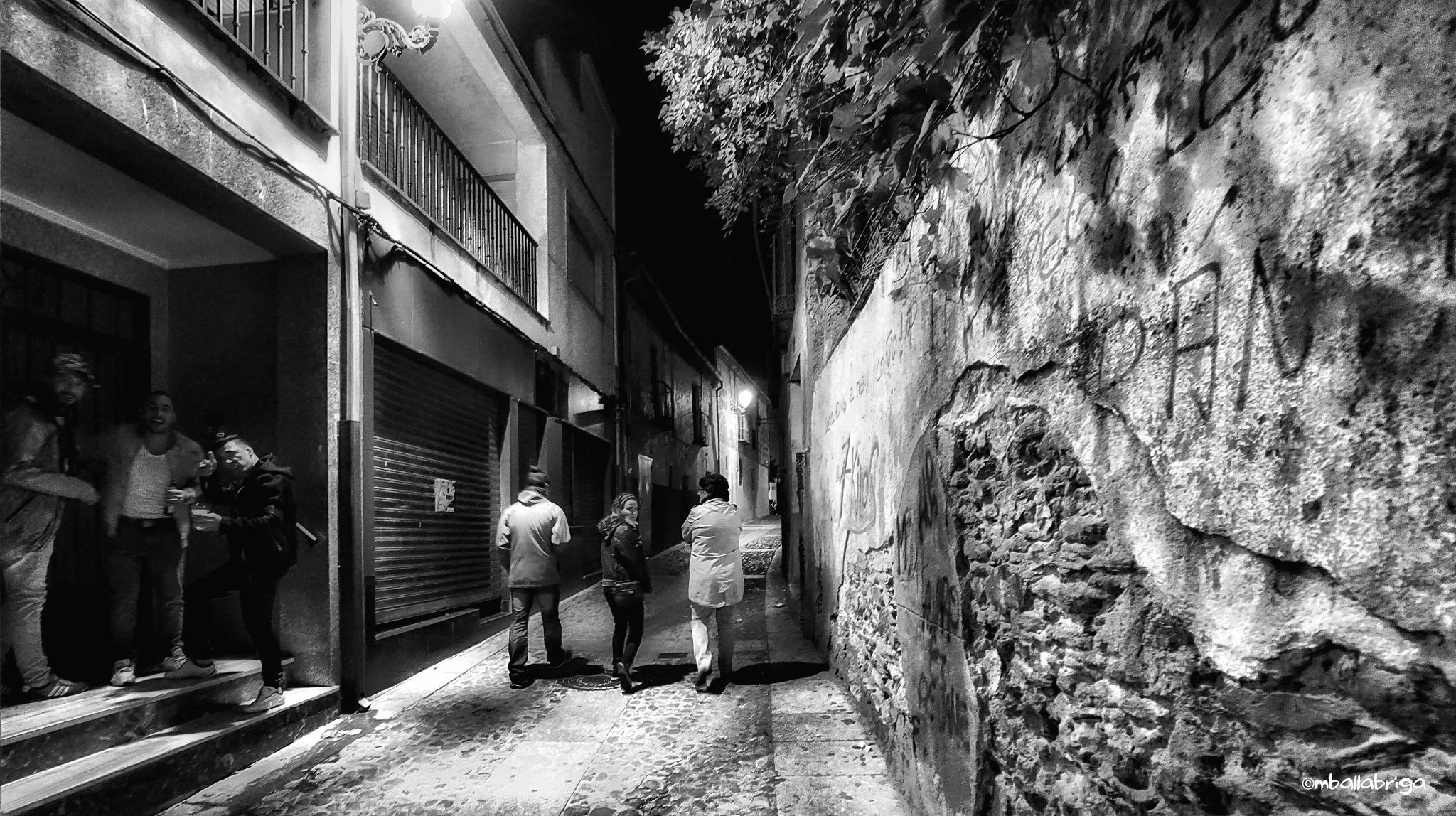 Walking at Manterola by Miguel Ballabriga