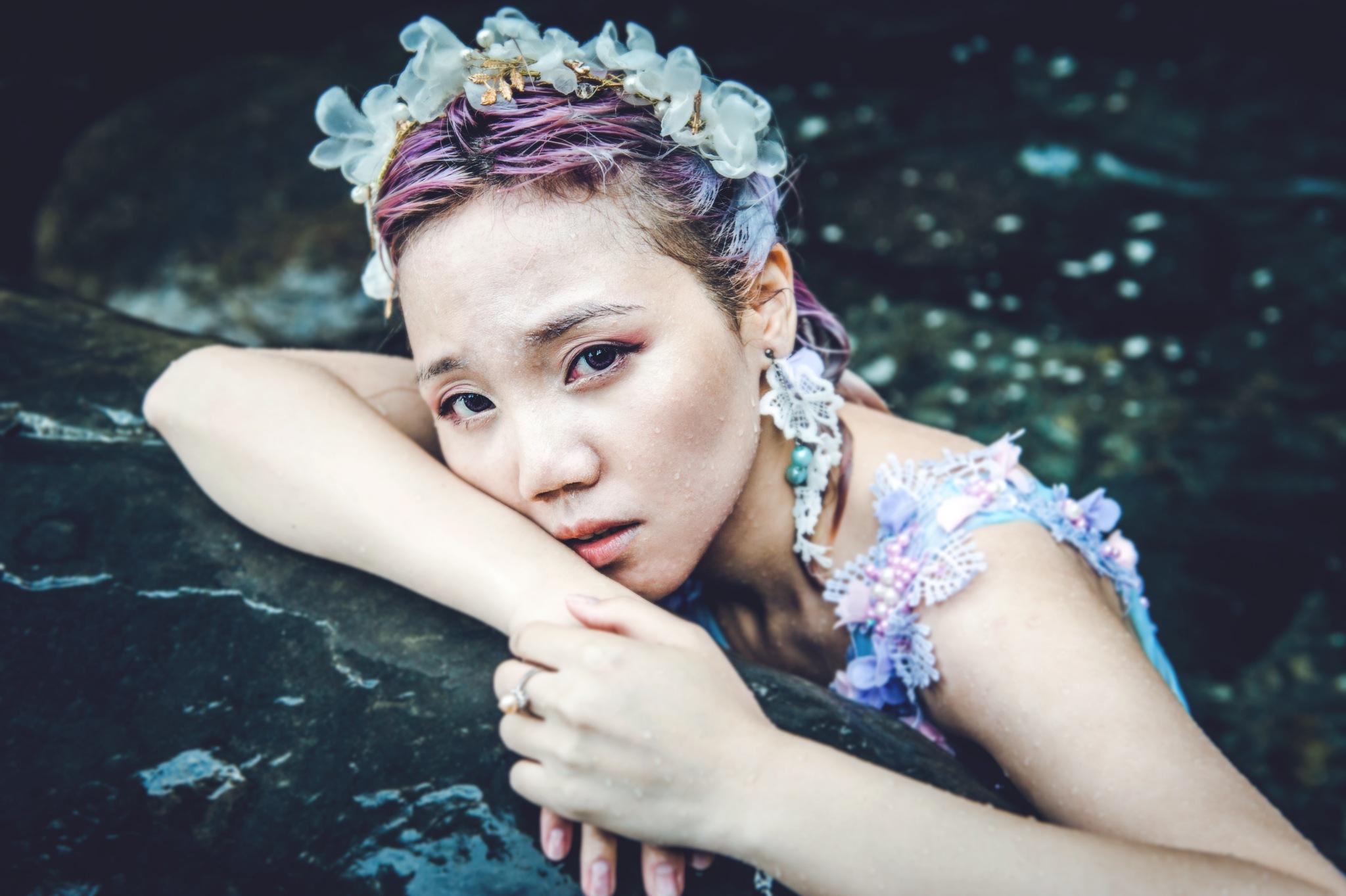 Lady by Toy Wu