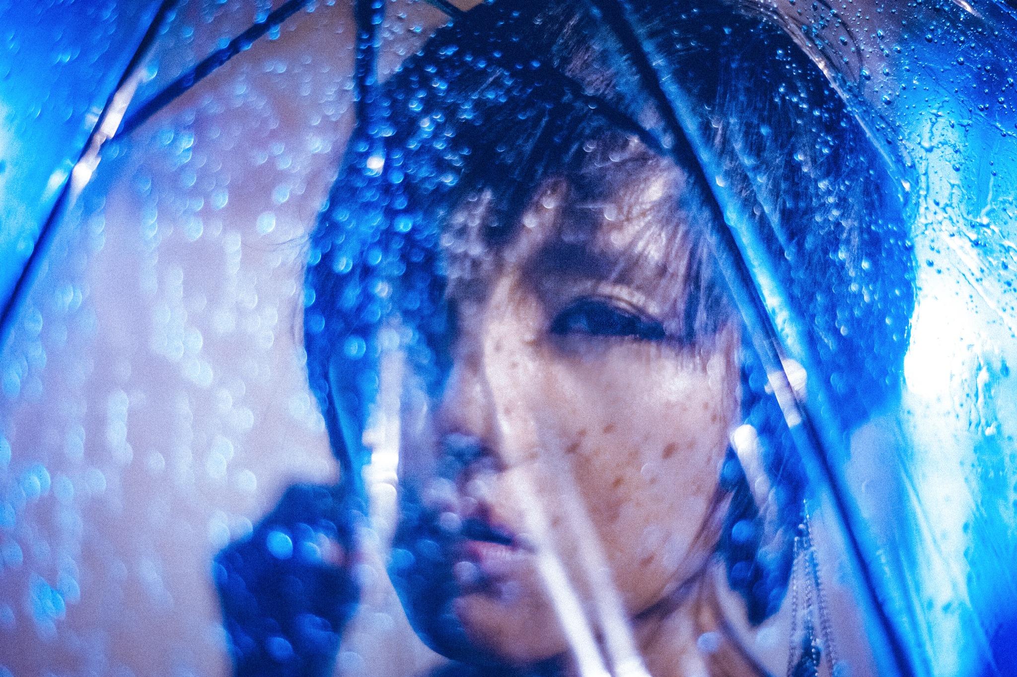 blue rain by Toy Wu