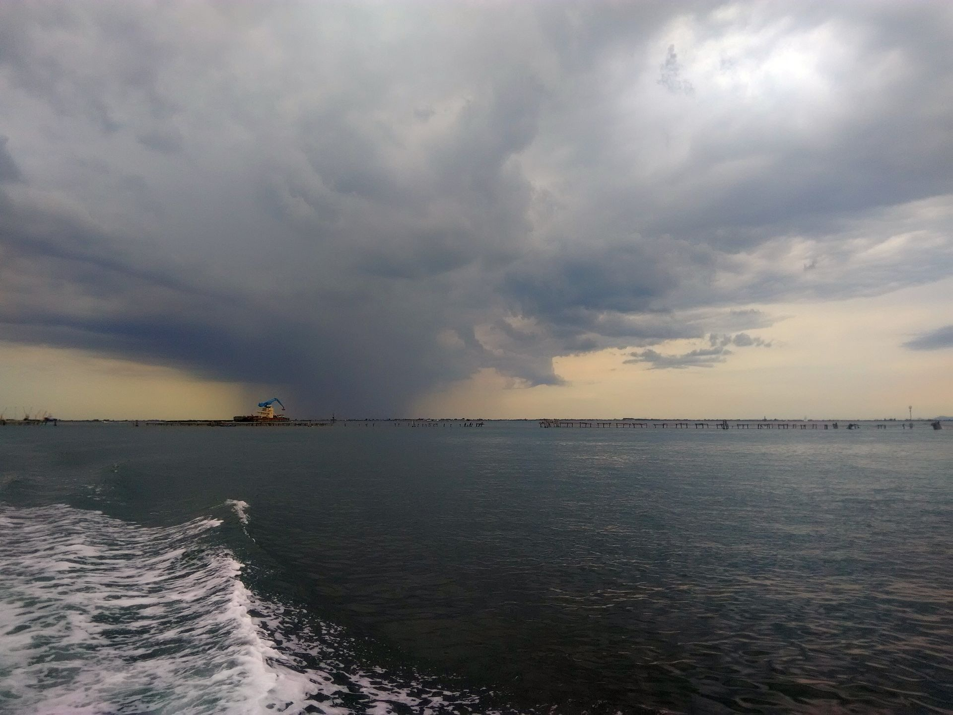 Incoming storm by Eugenio Penzo