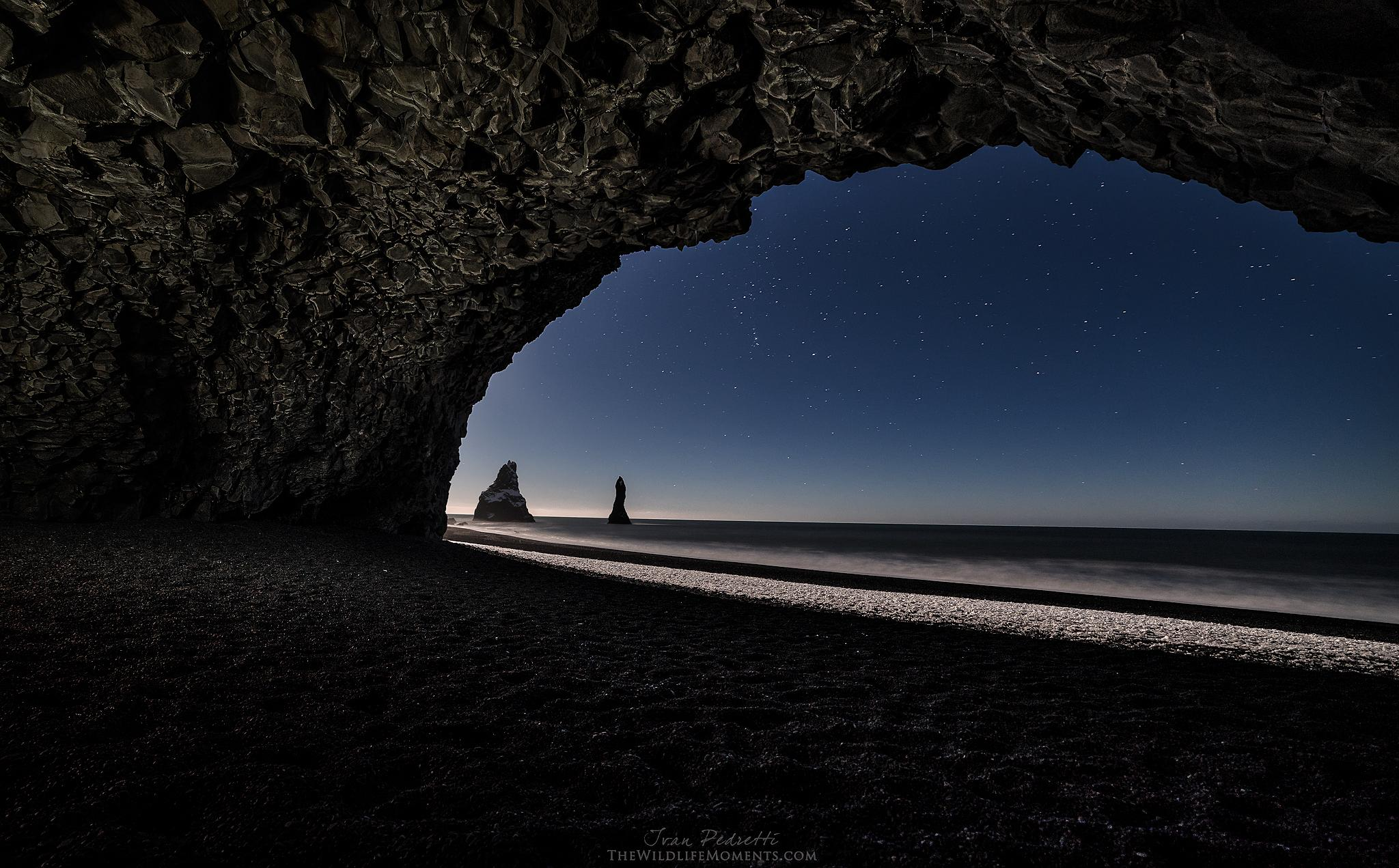 Moonlight  cave  by Ivan Pedretti