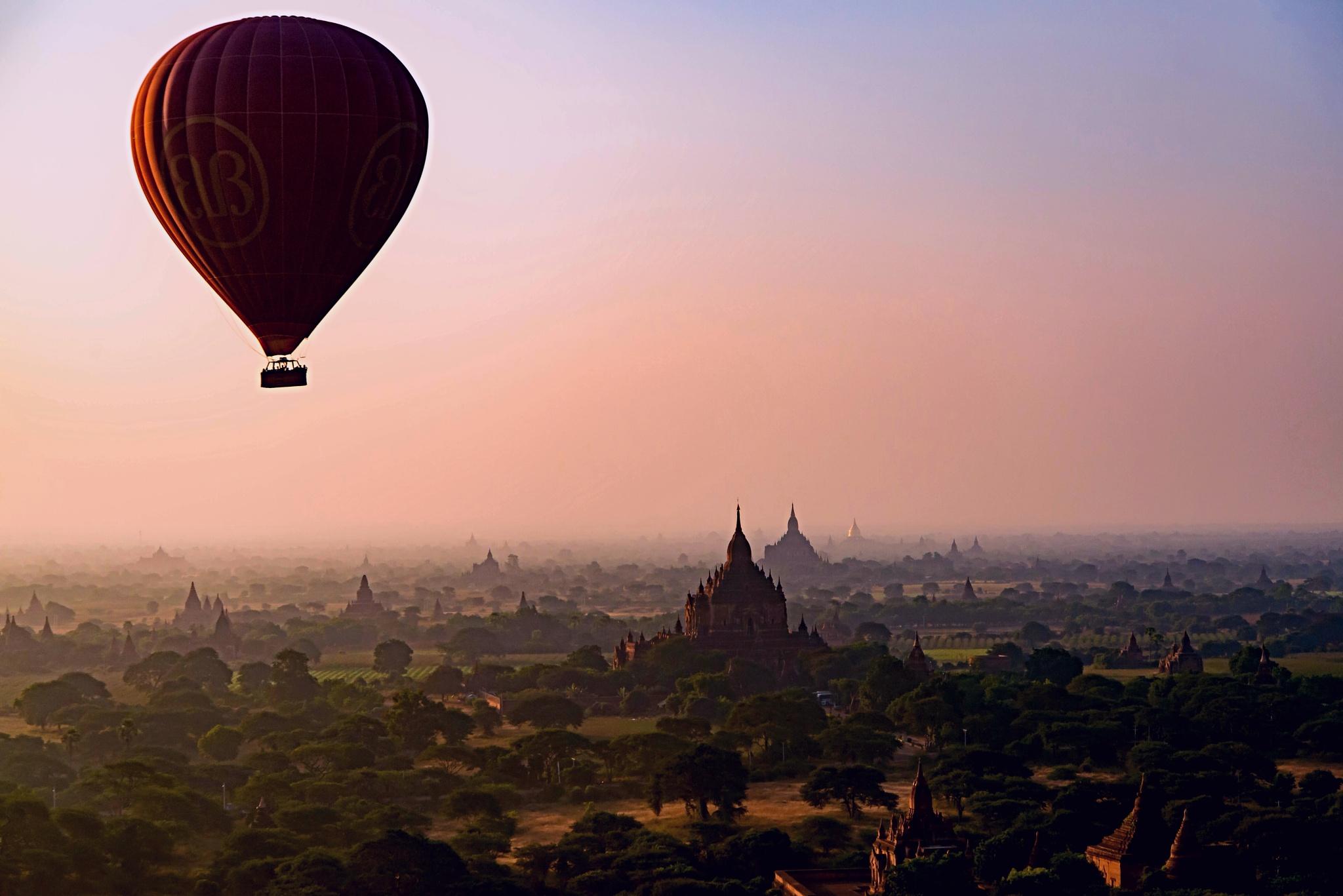 Hot air balloon over Bagan by Paolo Calò photography
