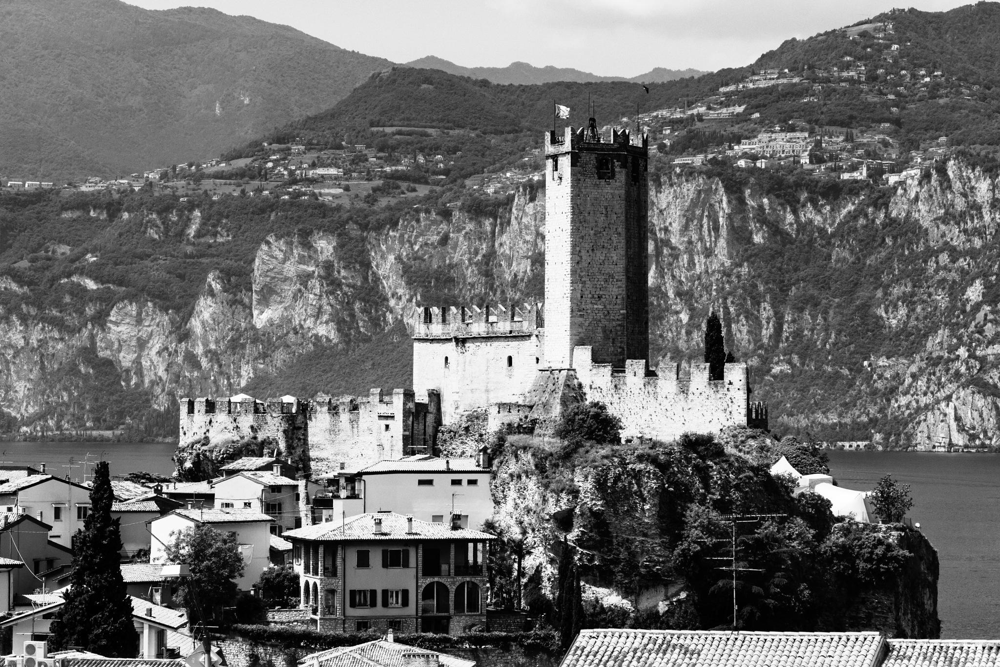 Castello di Malcesine by andreavanzini