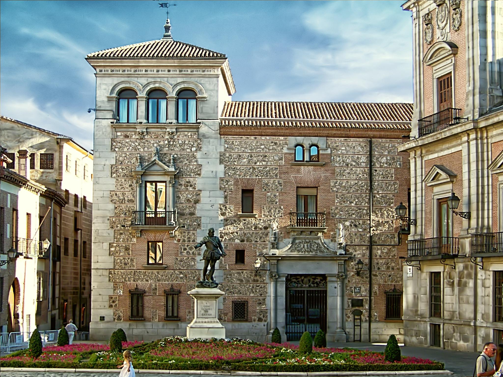 Casa de Cisneros [Plaza de La Villa - Madrid] by JuanM