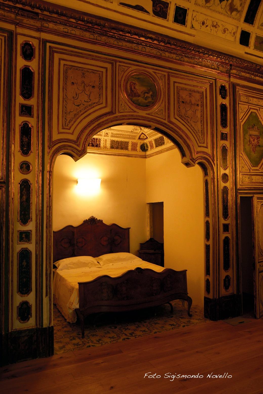 Antica camera da letto. by Sigismondo
