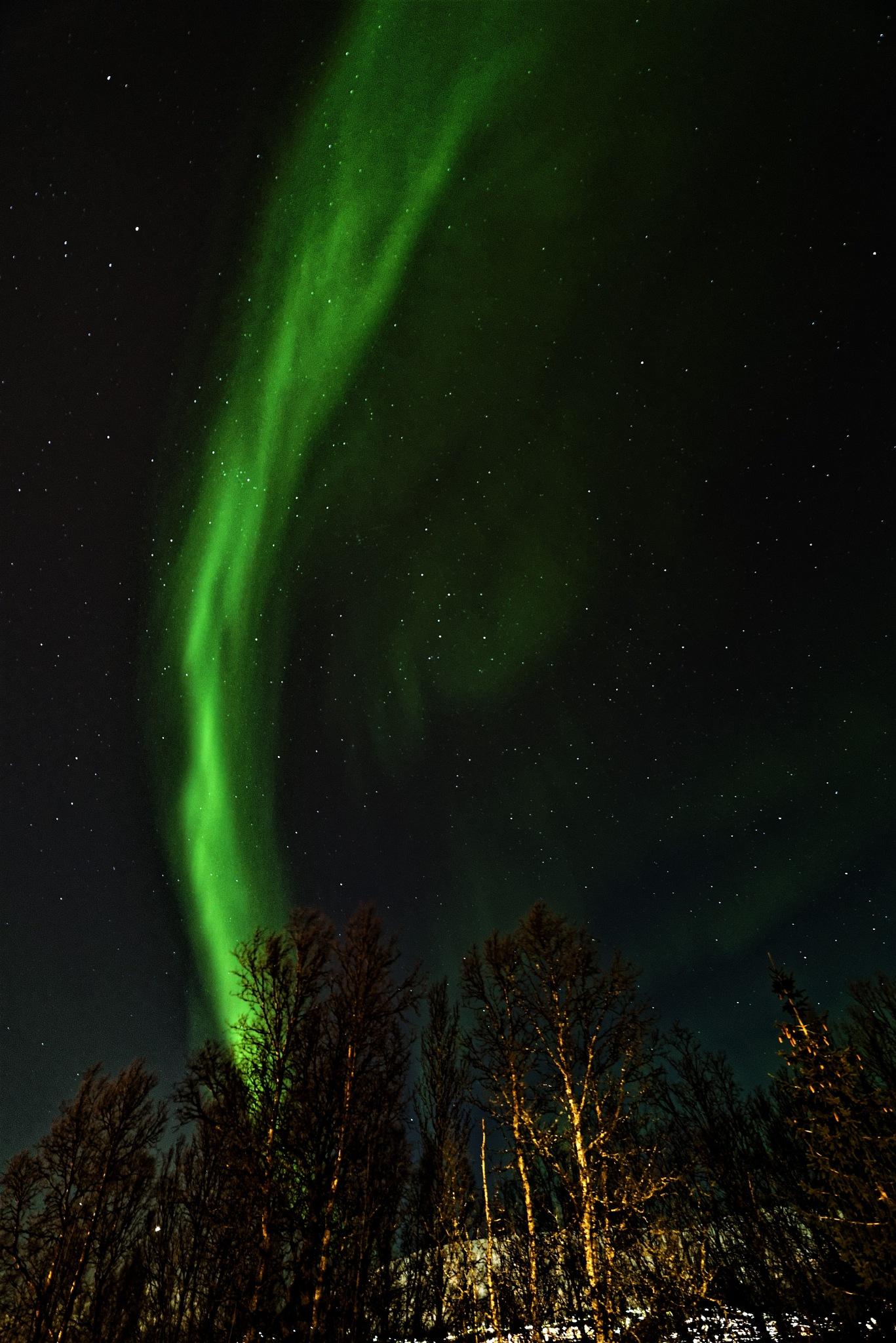 banana shape of Aurora this eve ;-) by Bjarthj