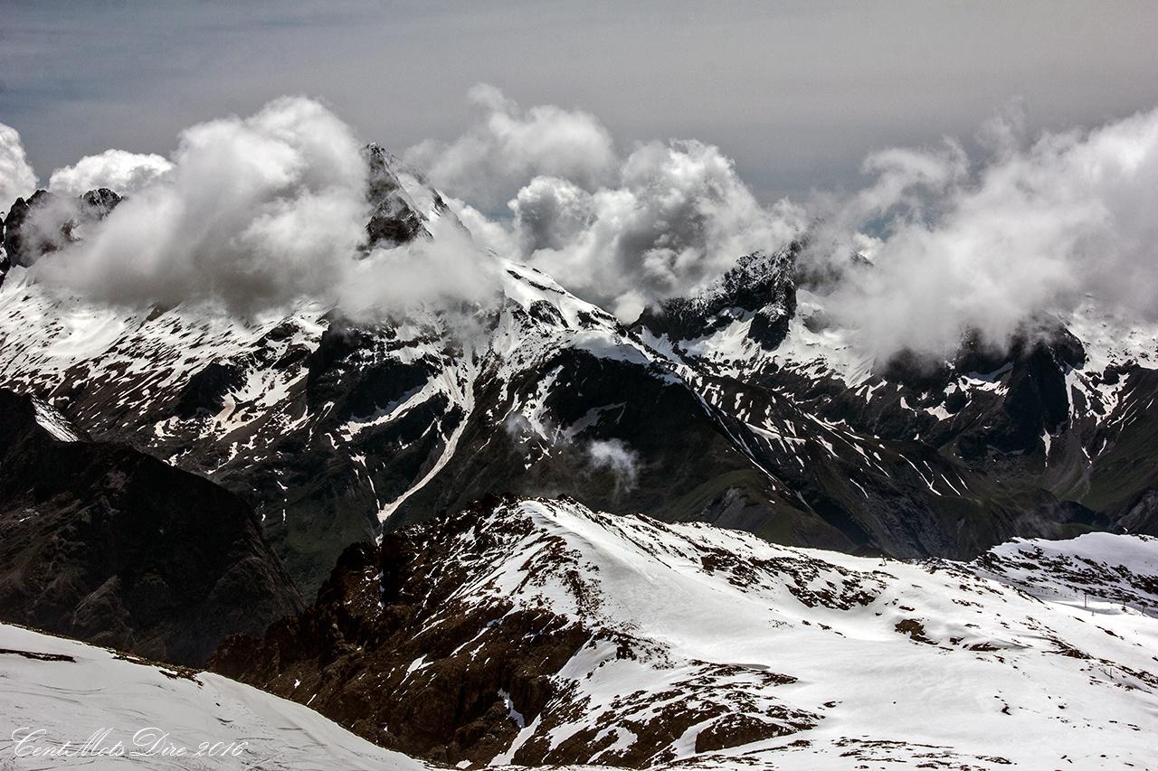 Montagne l'été  by Iah Hel