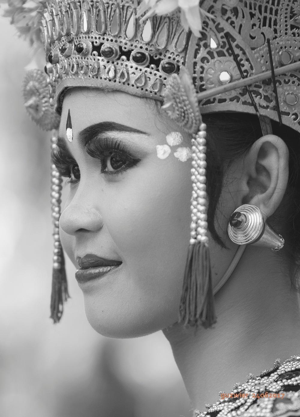 Gambuh Dancer by guzwier