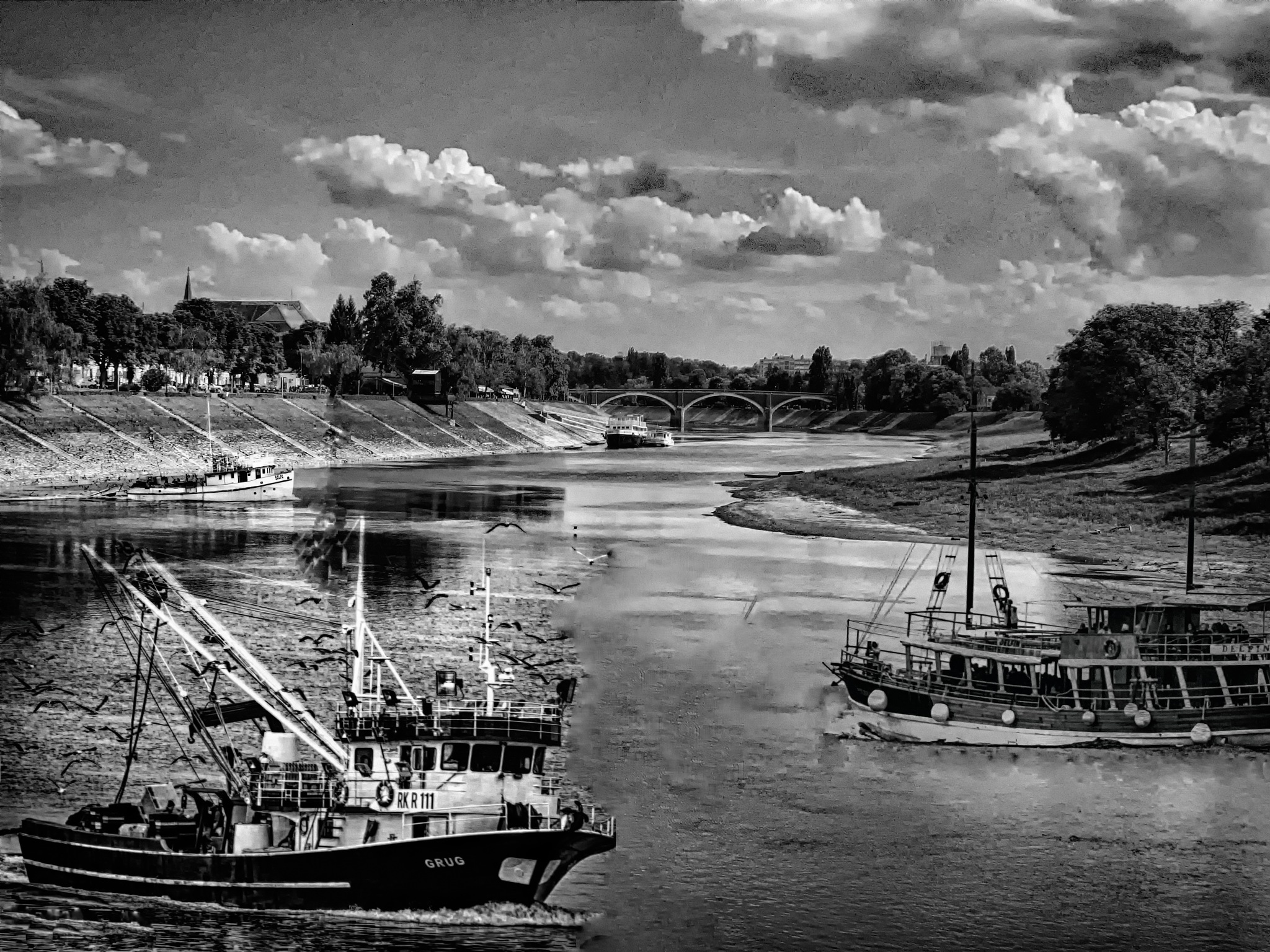 .. the rush on the river .. by goga22