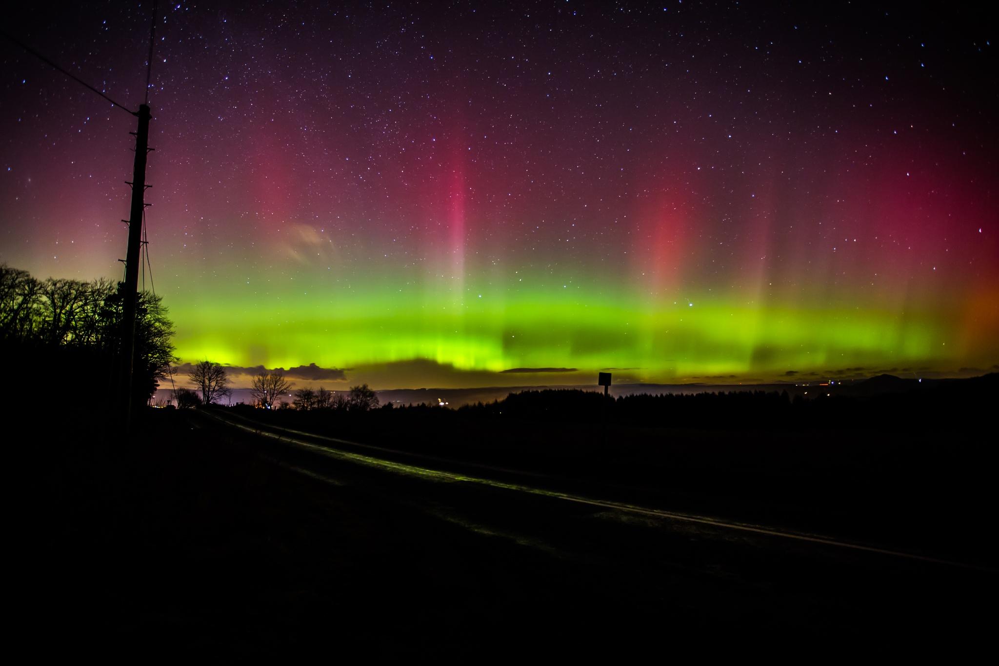 Northern Lights 2 by Jamzlindsay
