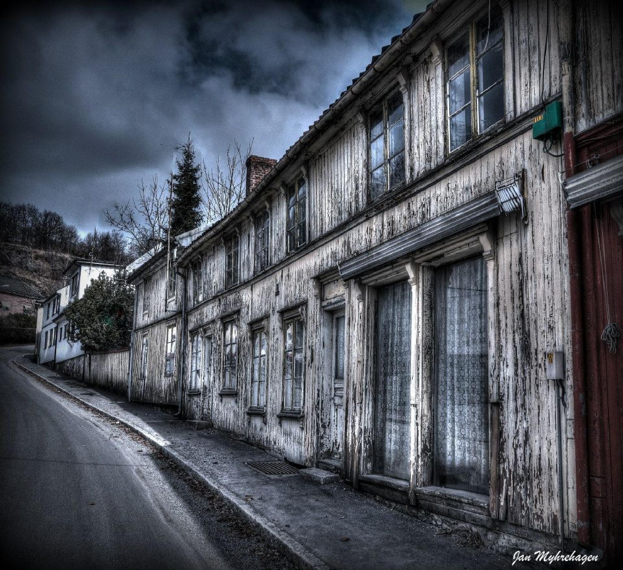 Old house by Myhrehagen