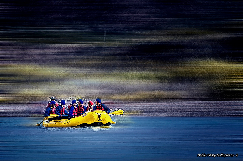 Rafting by PabloPerezDellepiane