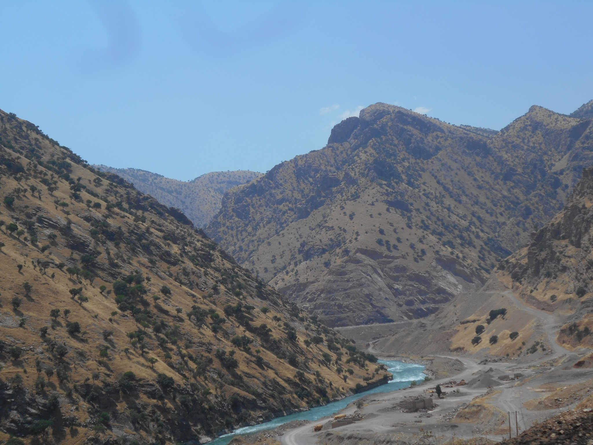 The river through  vally            by Reza karimi