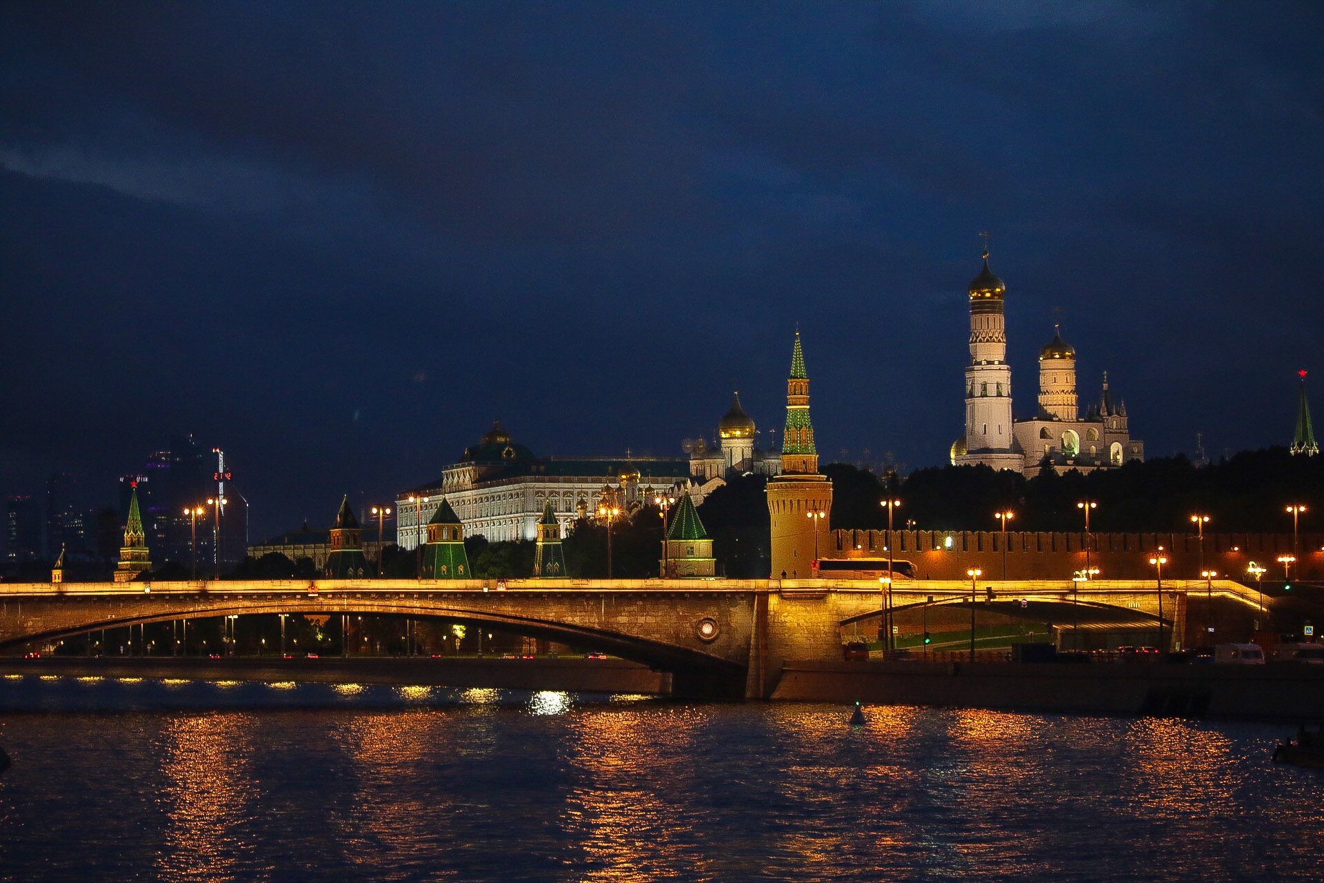 Moscow river by Ingstina