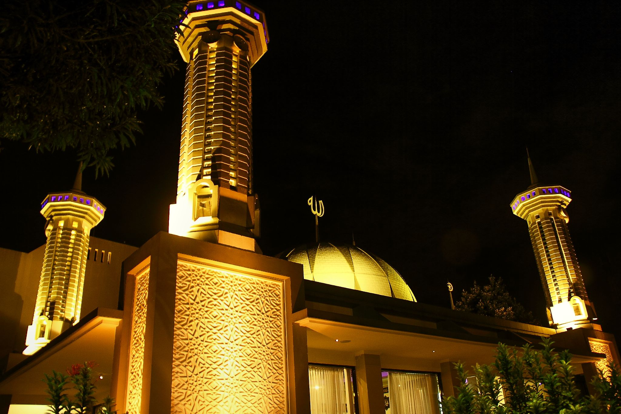 MOSQUE IN THE SIDE CORNER by Egy Forester