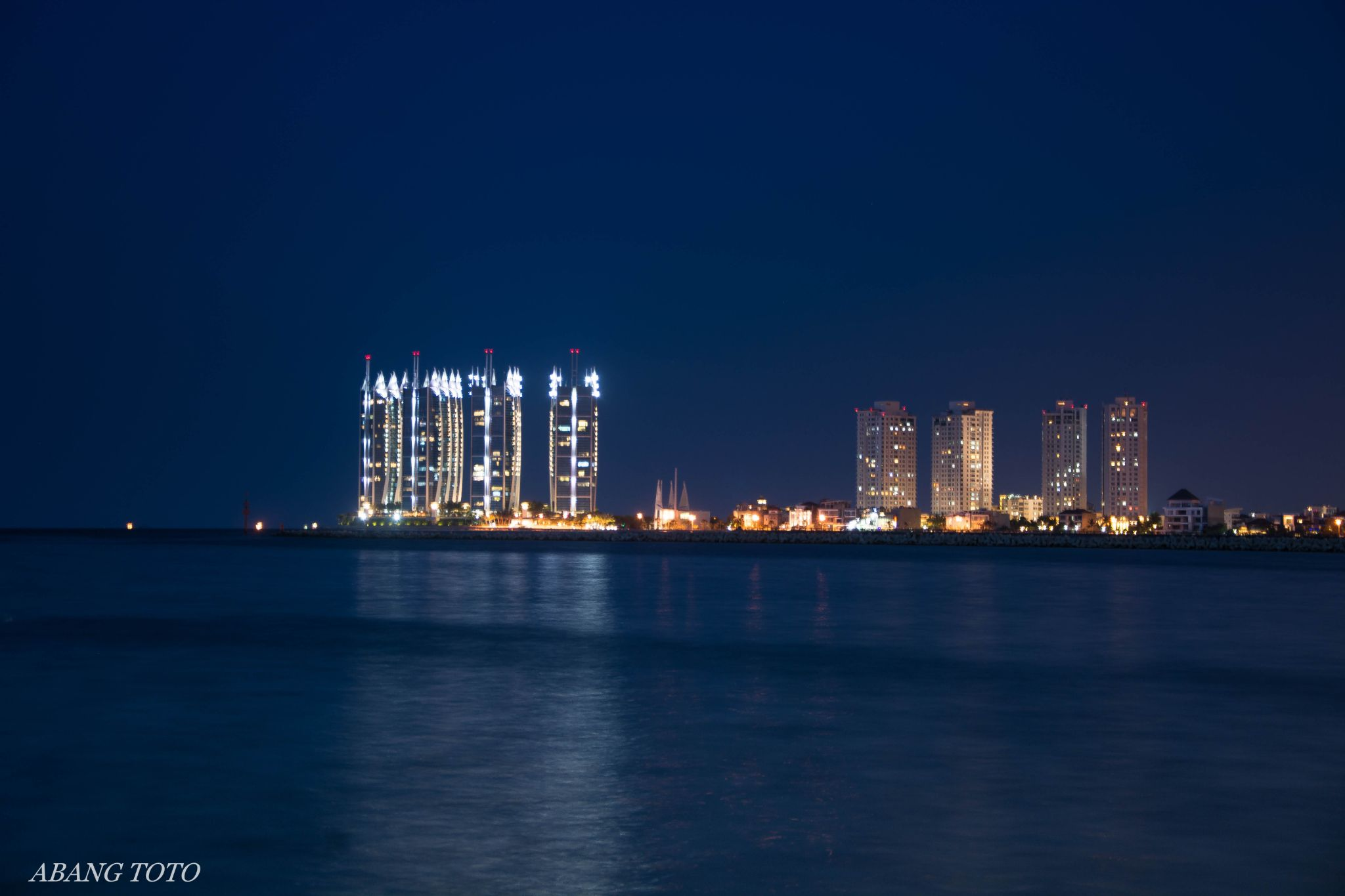 Pluit Bay by Abang Toto