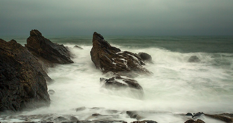 Seascape,  Bude,  Cornwall. by Paul Mccreaddie