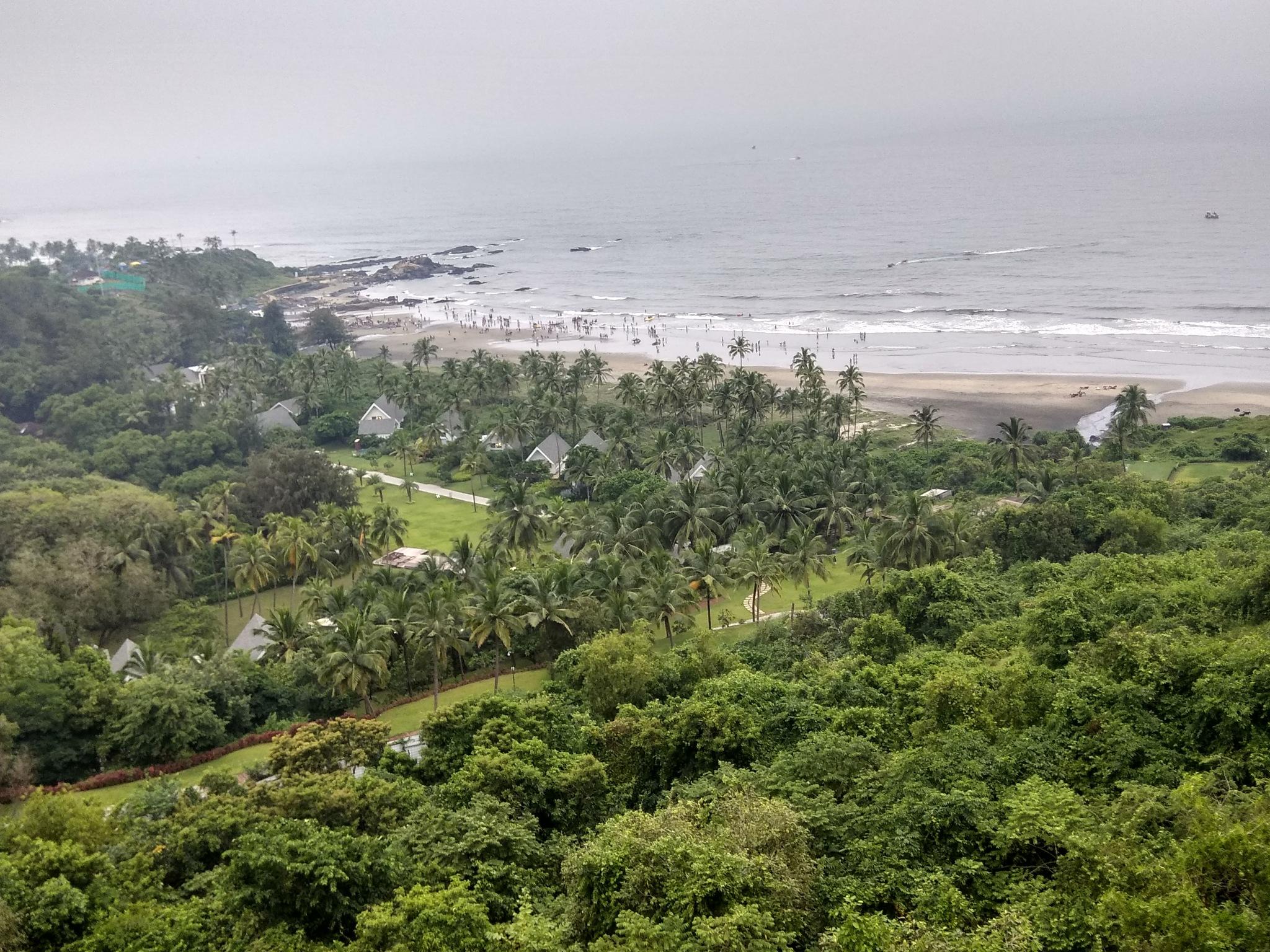 mountain view beach.. by Balaji M