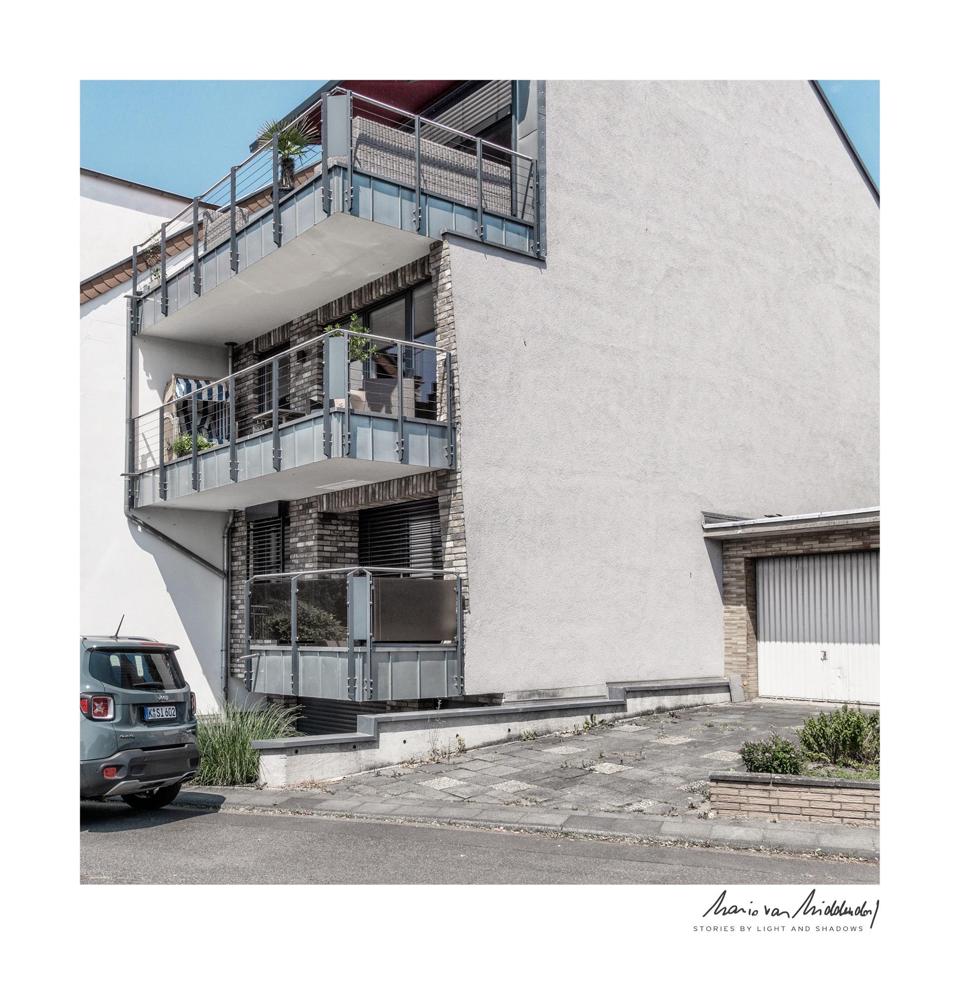 suburban [03] by Mario van Middendorf