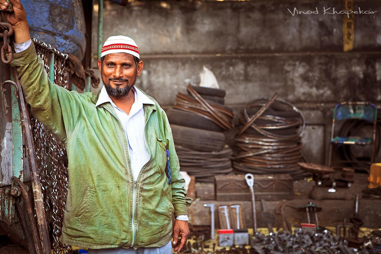 Kabadi Market. by Vinod Khapekar