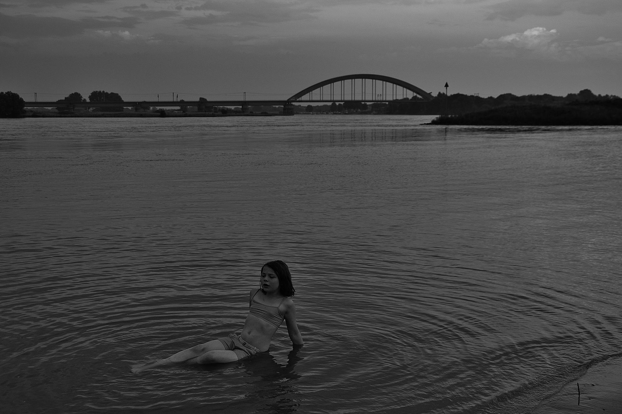 Se7en and the bridge. by Maria Michaéla José