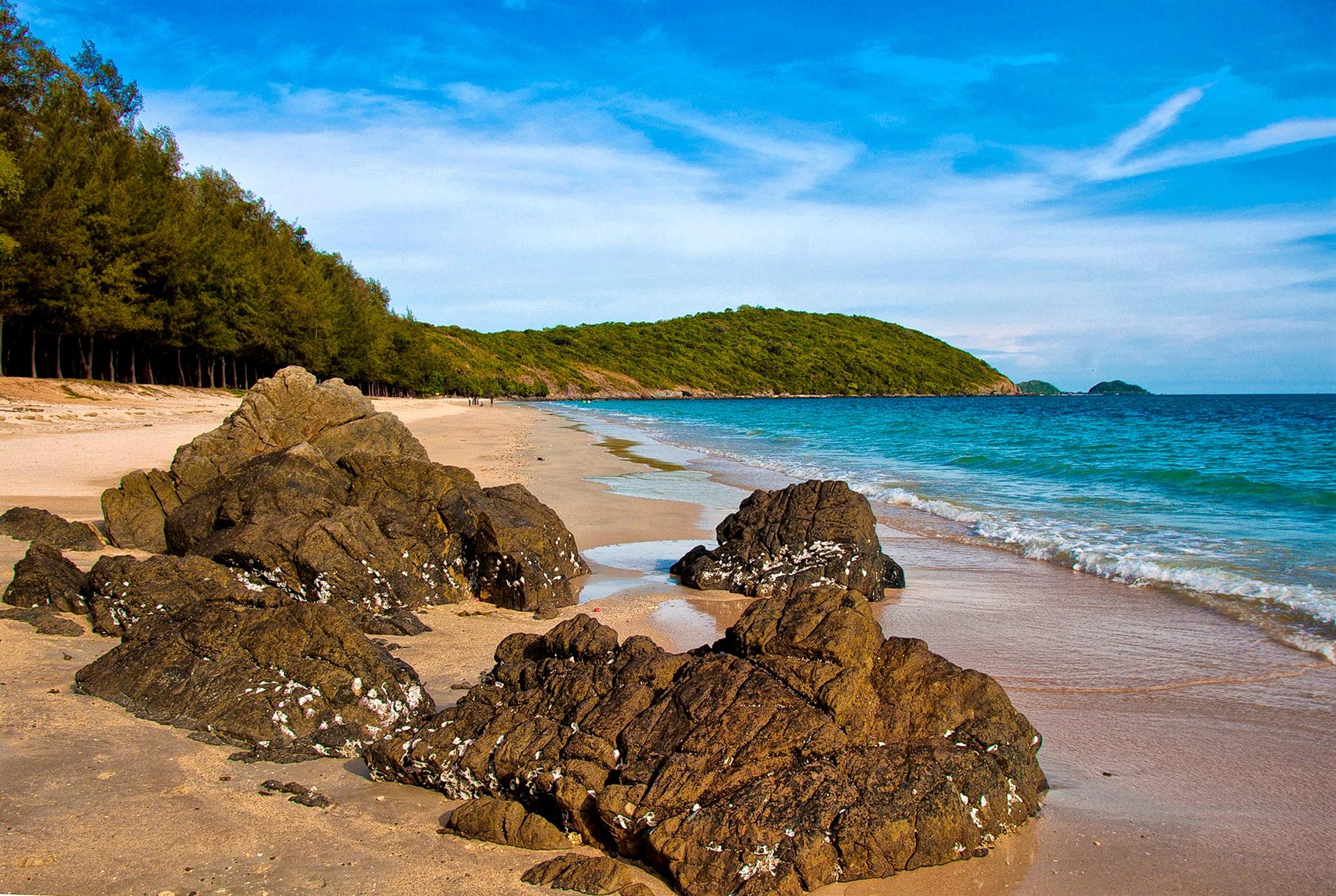 Rocks, Sea and Sand by WilliamReid