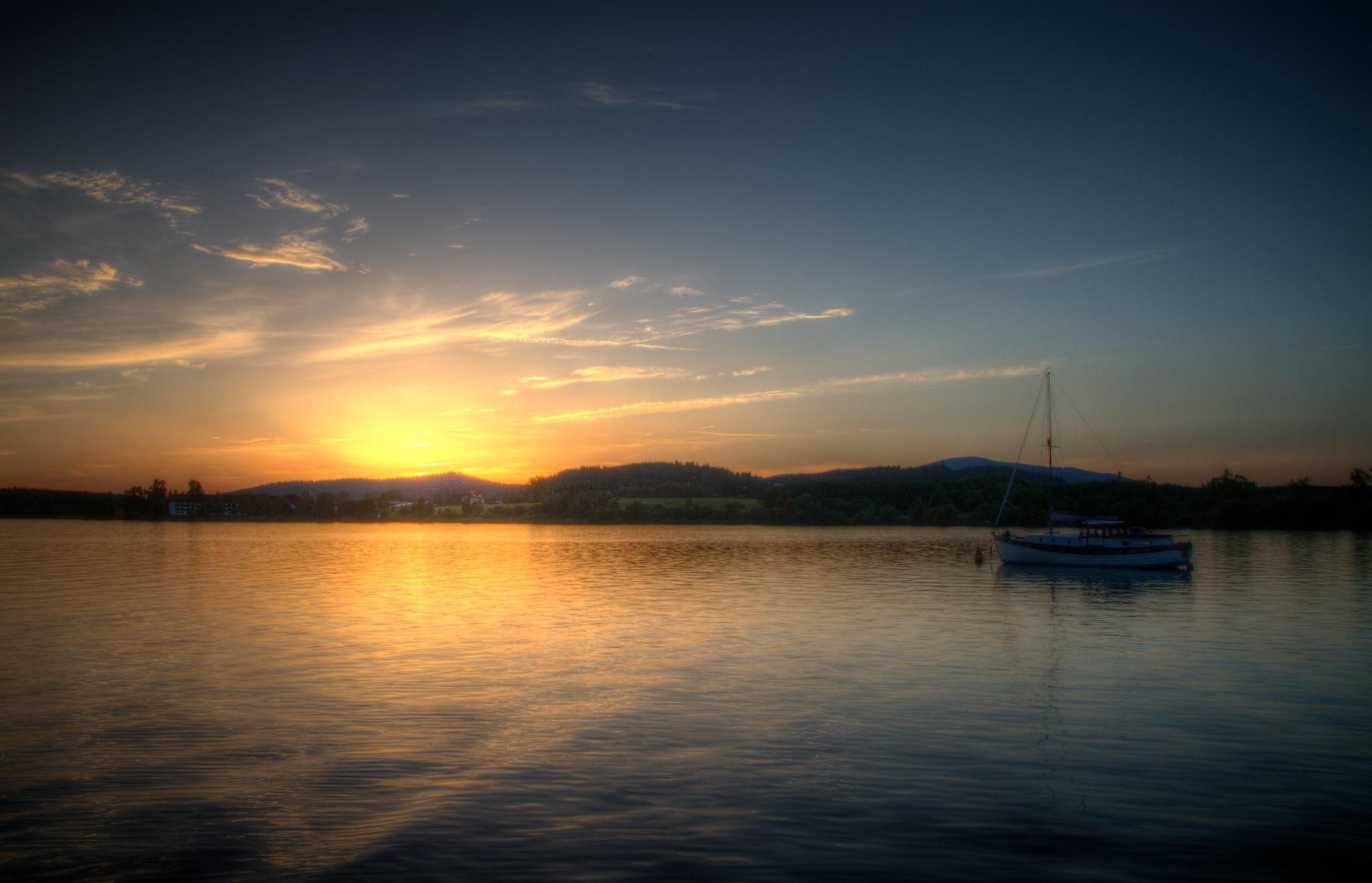 Lipno sunset  by Michal Val