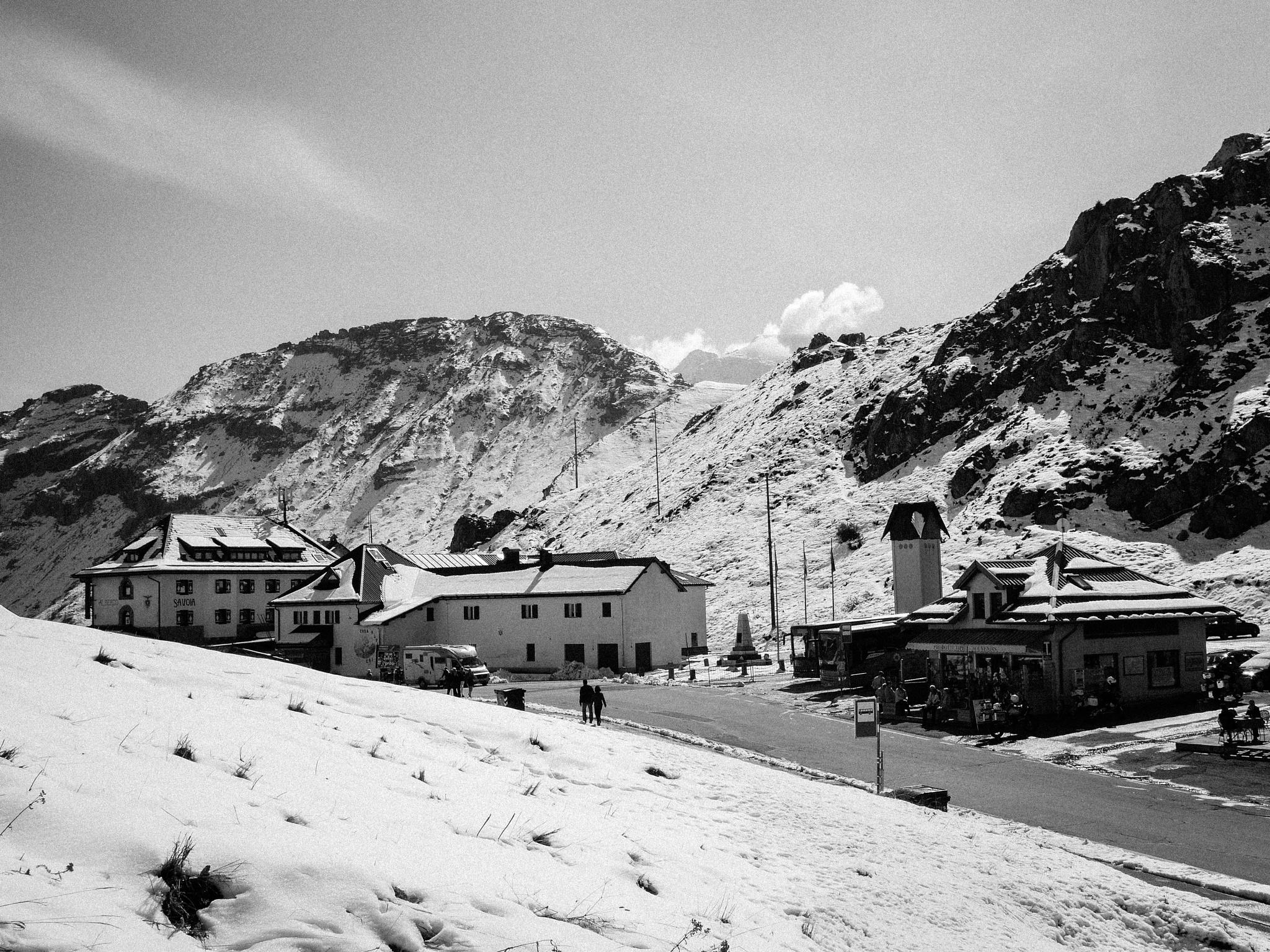 Photo in Black and White #dolomites #dolomiti #italy #italia #bolzano #ice #snow #white #black and white