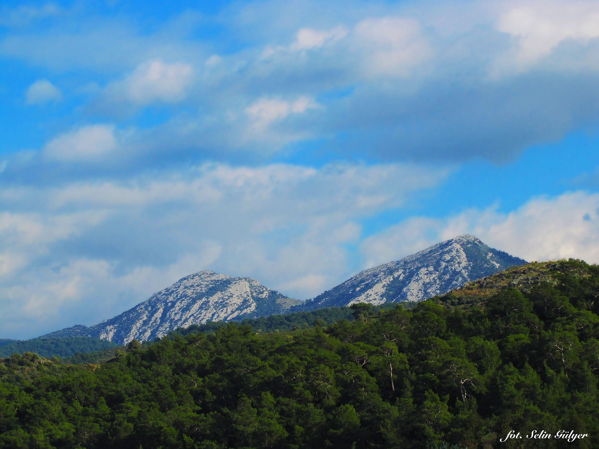 Güzelbahçe Dağları by selingulyer