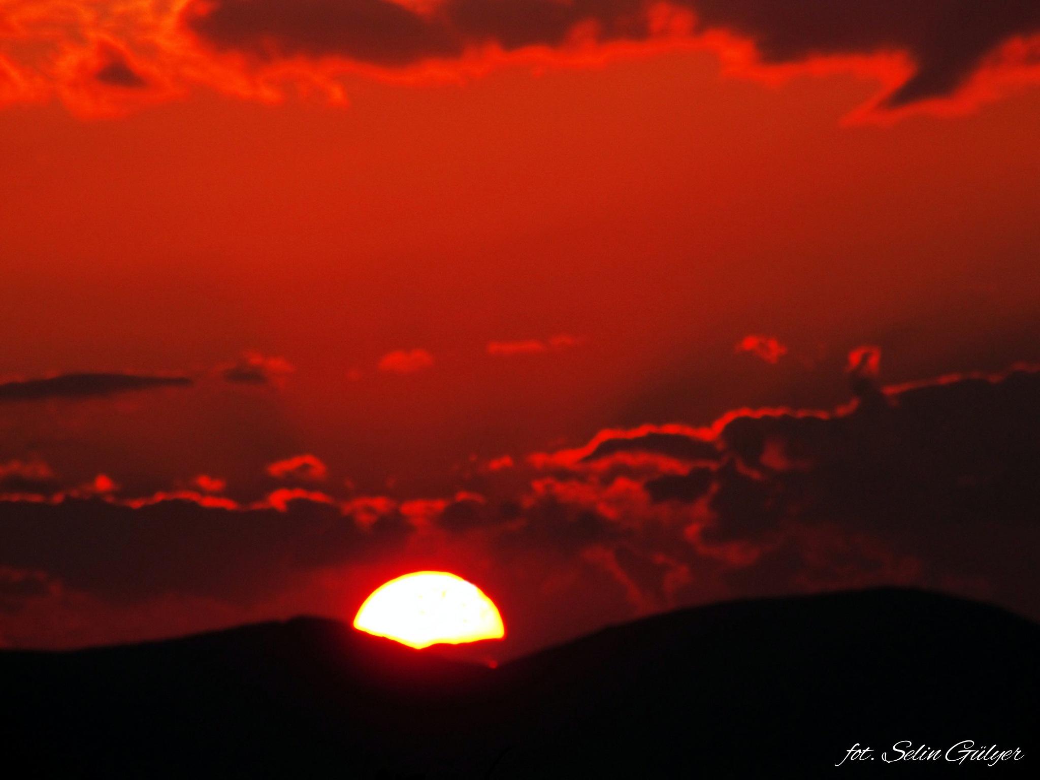 Kızıl Gökyüzü by selingulyer