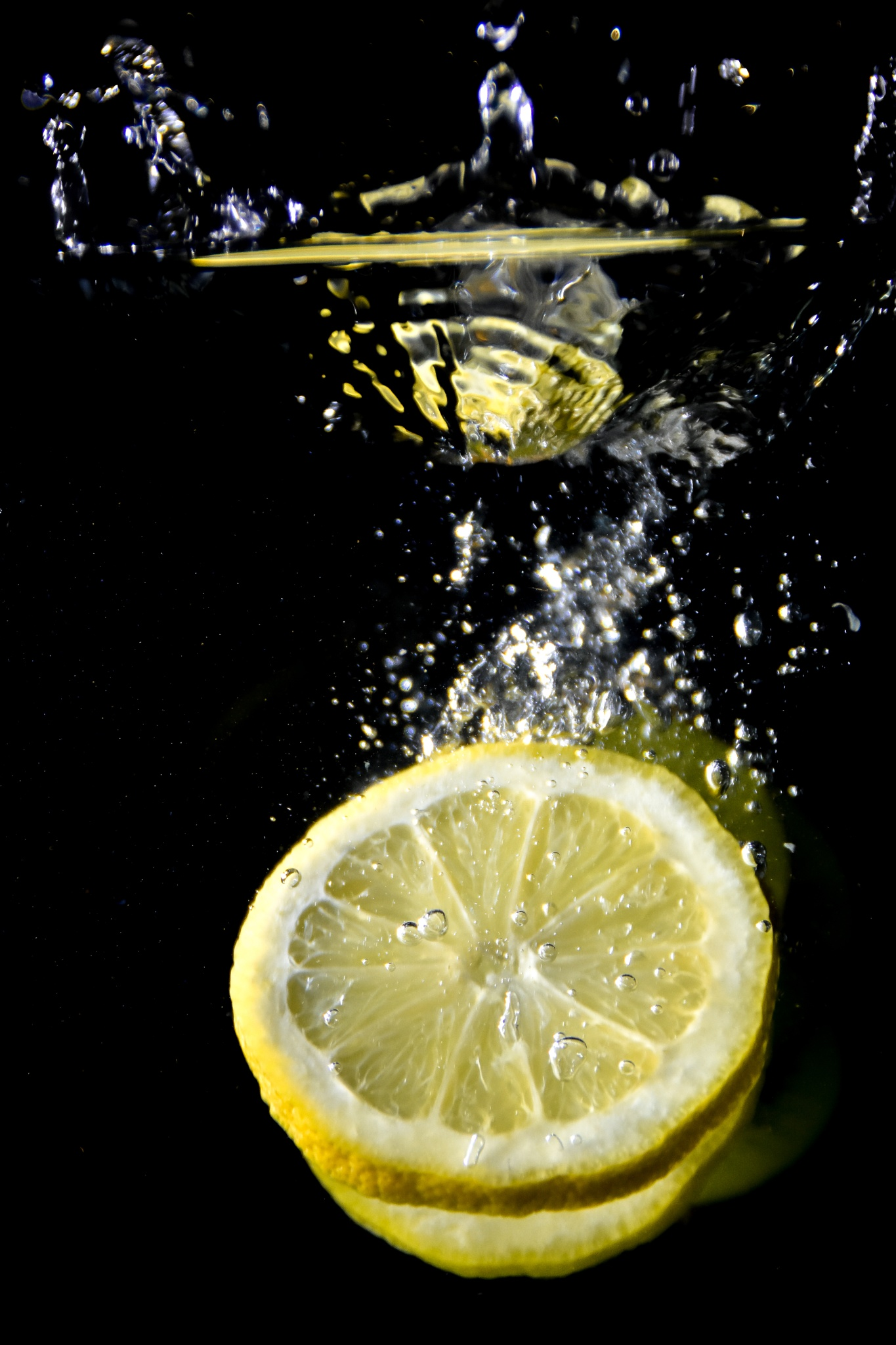 Lemon splash by Kristof Maenhout