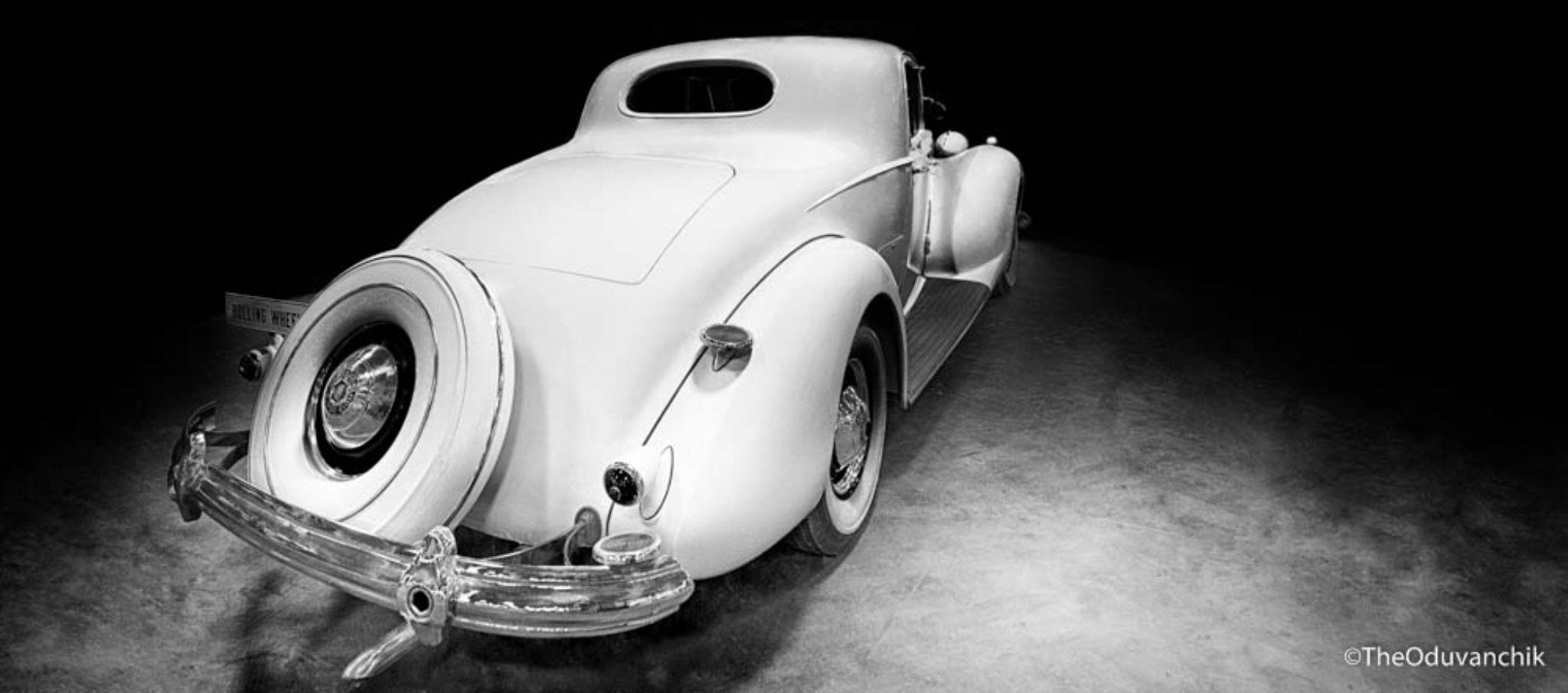 B&W Packard Super Eight by theoduvanchik