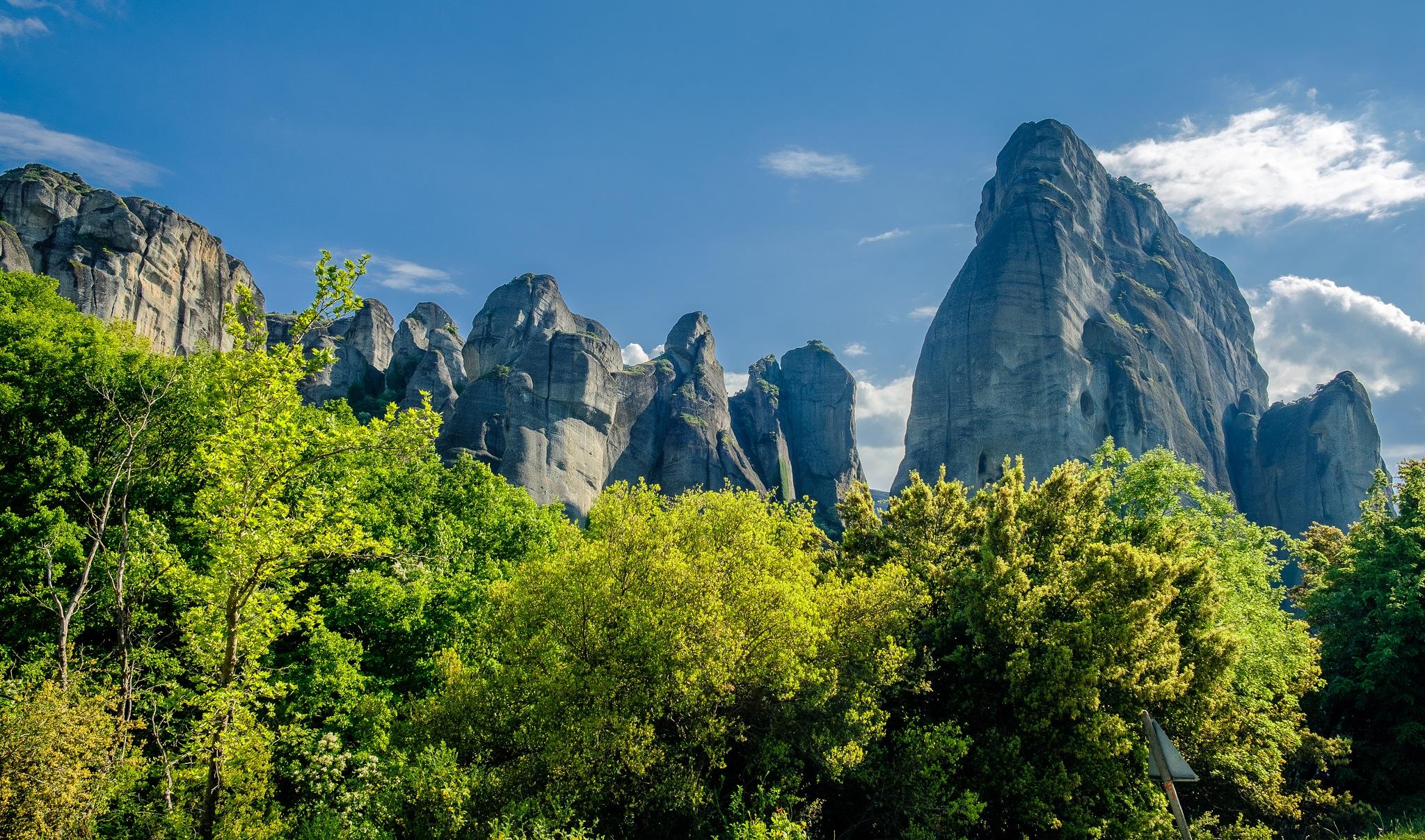 Meteora peaks by geirole