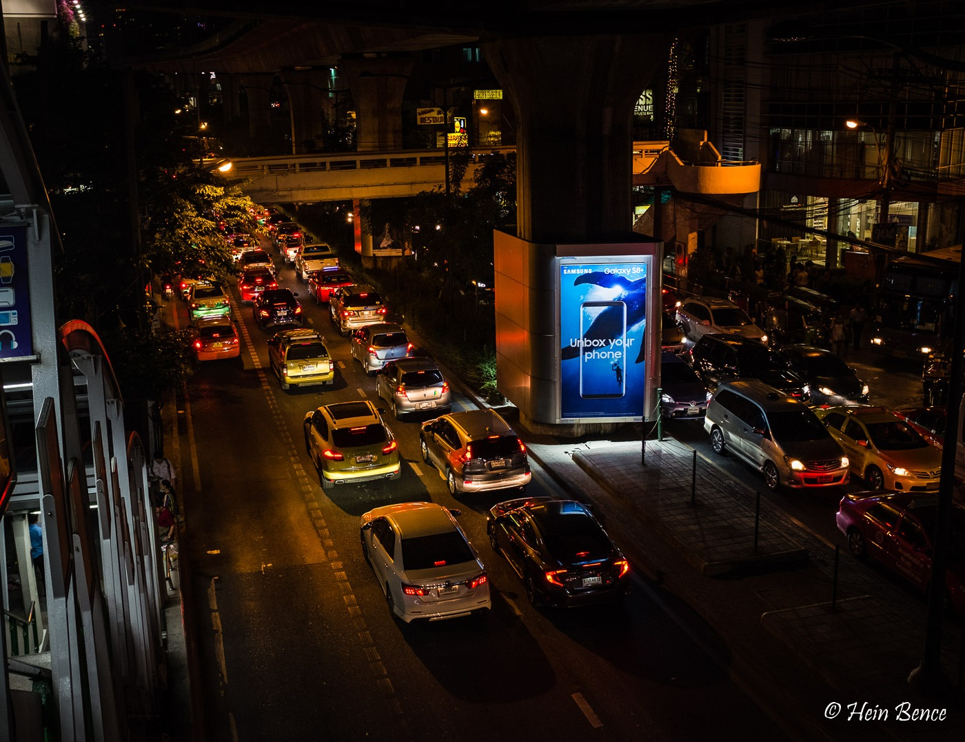 Home time traffic Bangkok by HB Photo