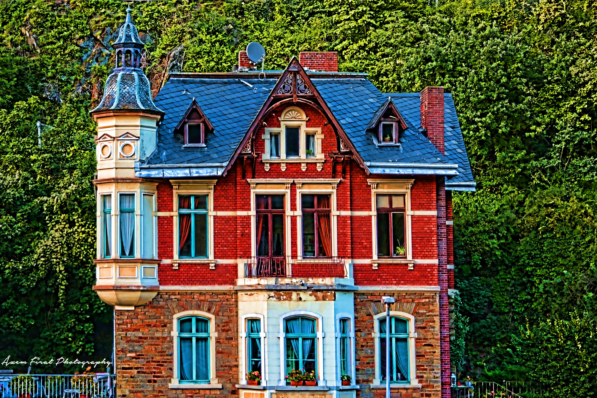 An alone house in Rheinland-Pfalz. by azem.firat