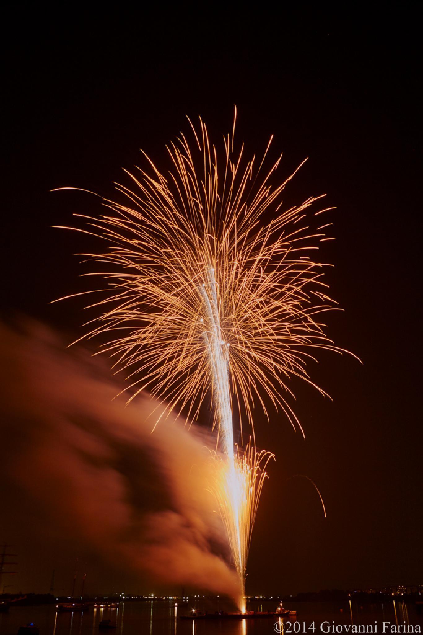 Tall Ship Festival fireworks_04 by Giovanni Farina