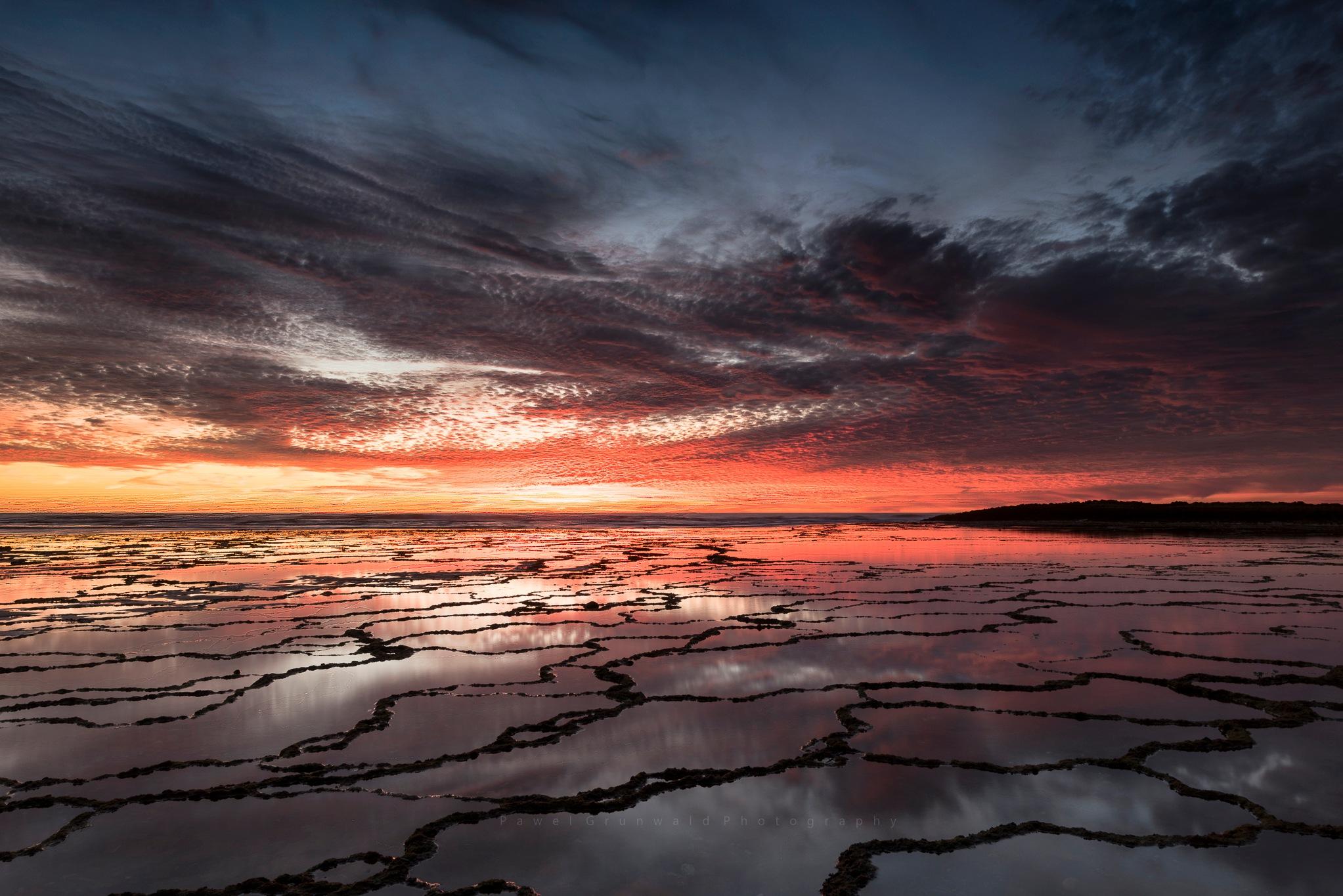 Low tide by PawelGrunwald