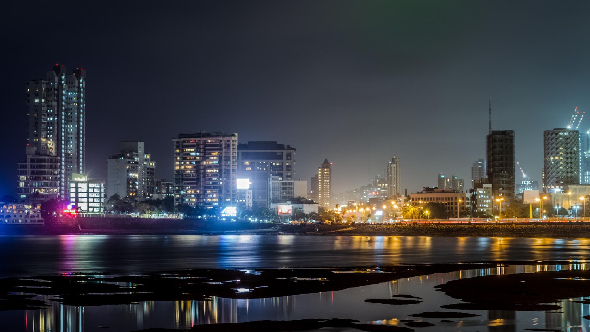 Mumbai Skyline at Haji Ali by Munindro
