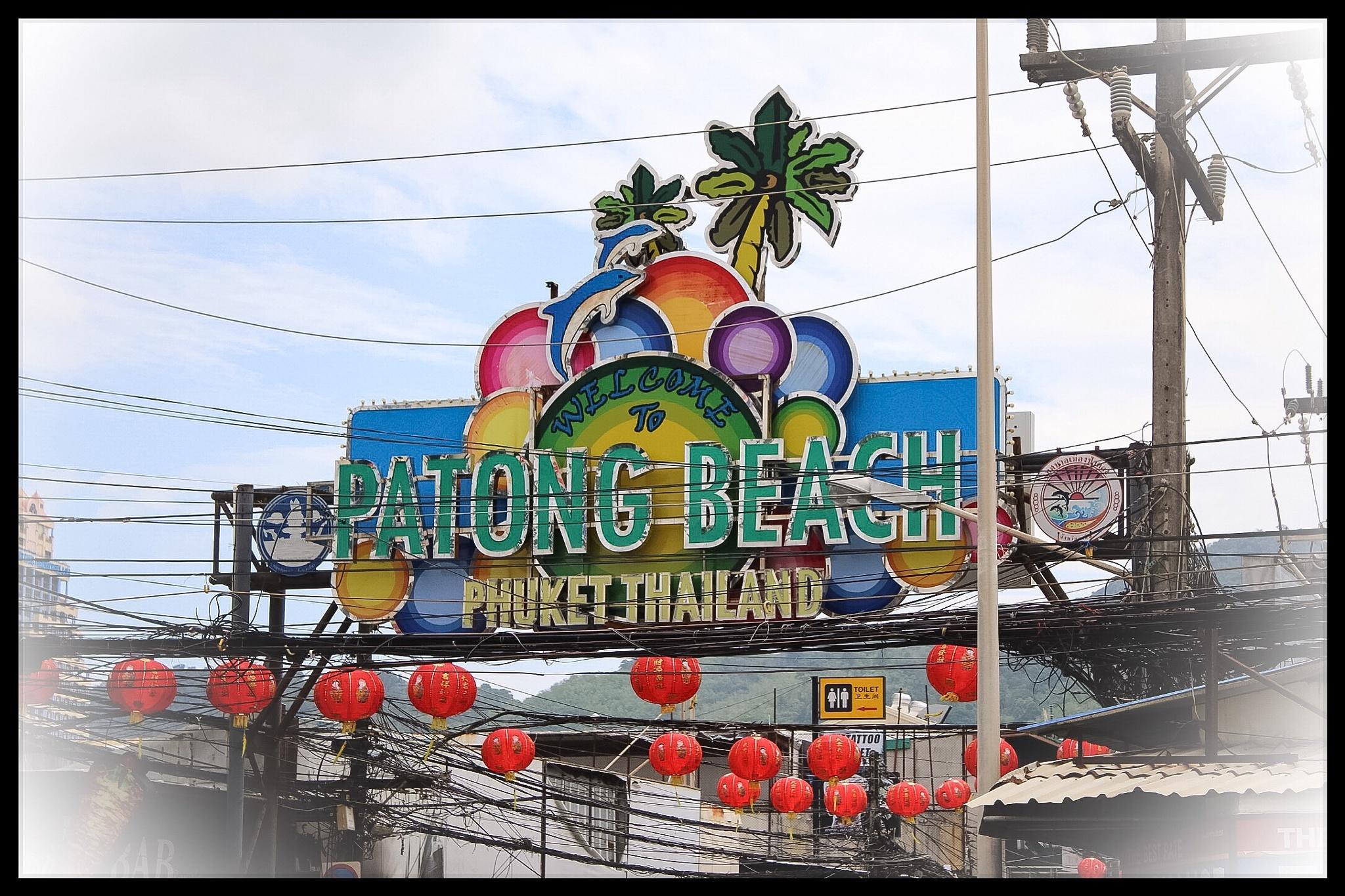 Patong Beach  by Larry Von Zemmrich