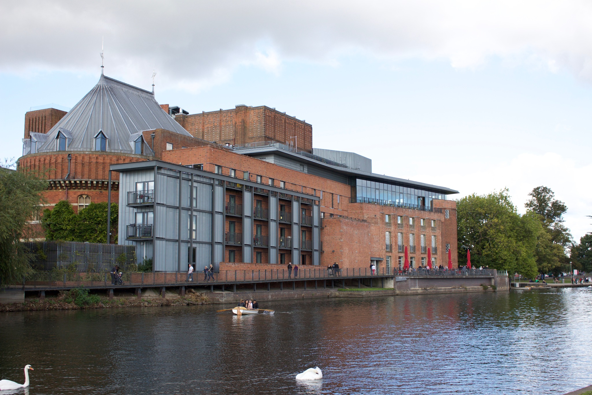 The Royal Shakespeare Company Theatre by Mark_silvester