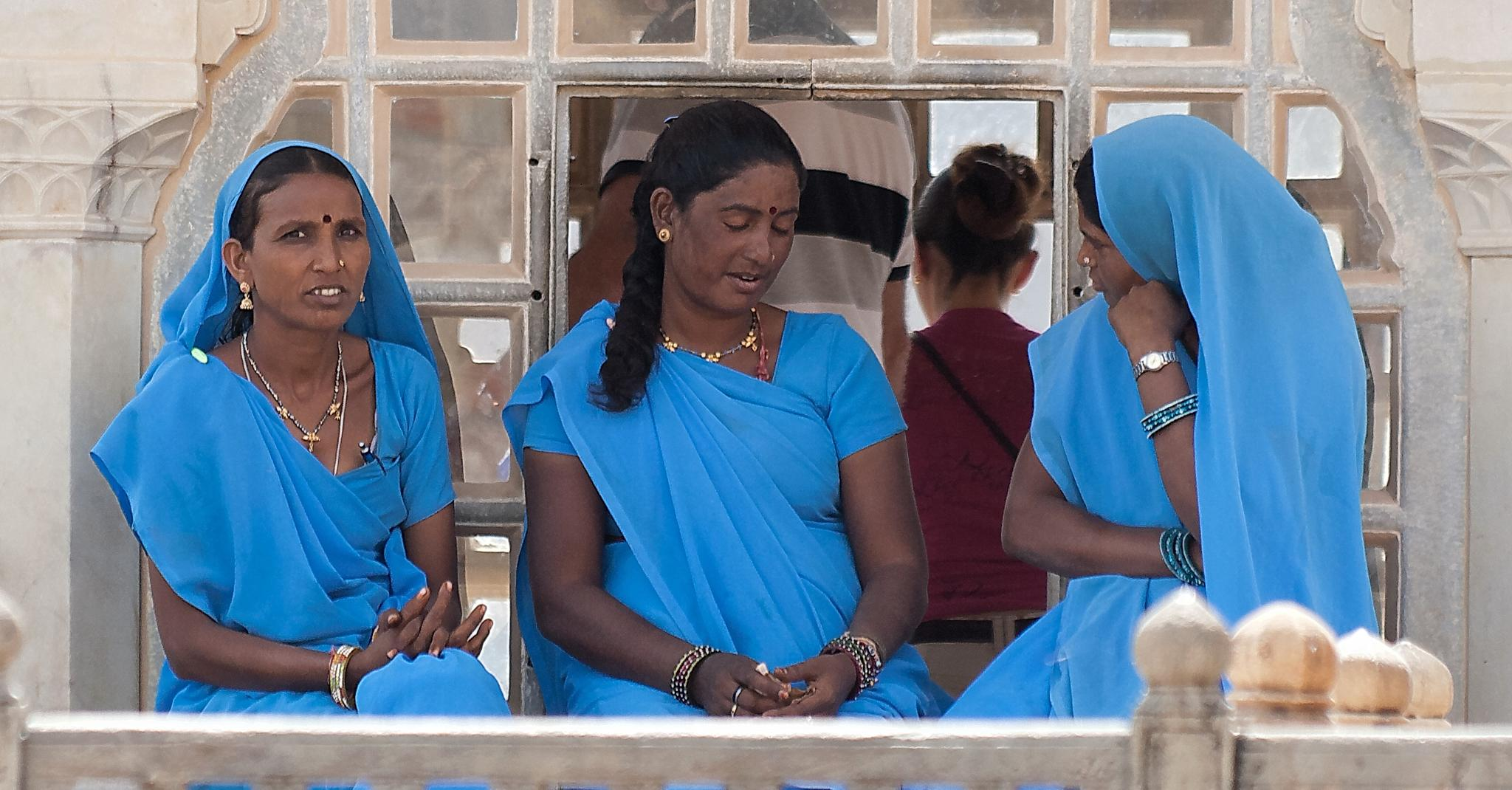 Indian women by Patrice Sarzi