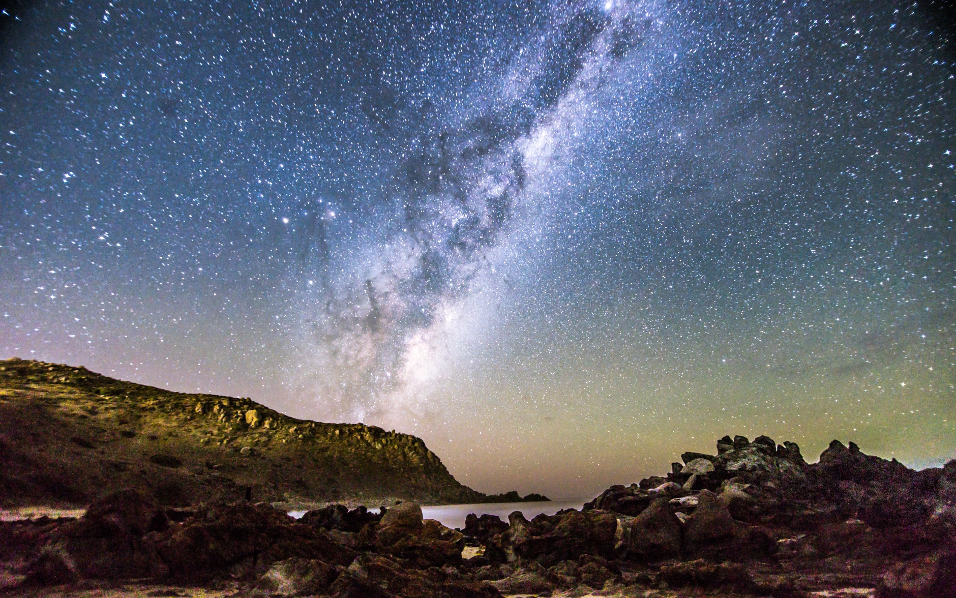 Milky way at the Petrel Cove by Nicole Rix