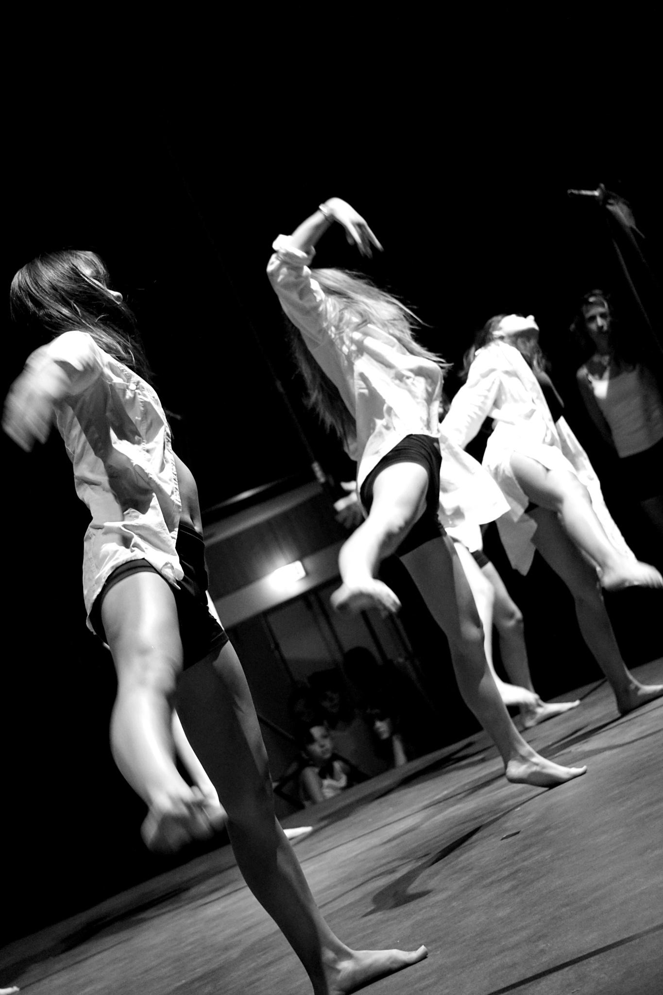 Under eye's dance teacher by KENSEI